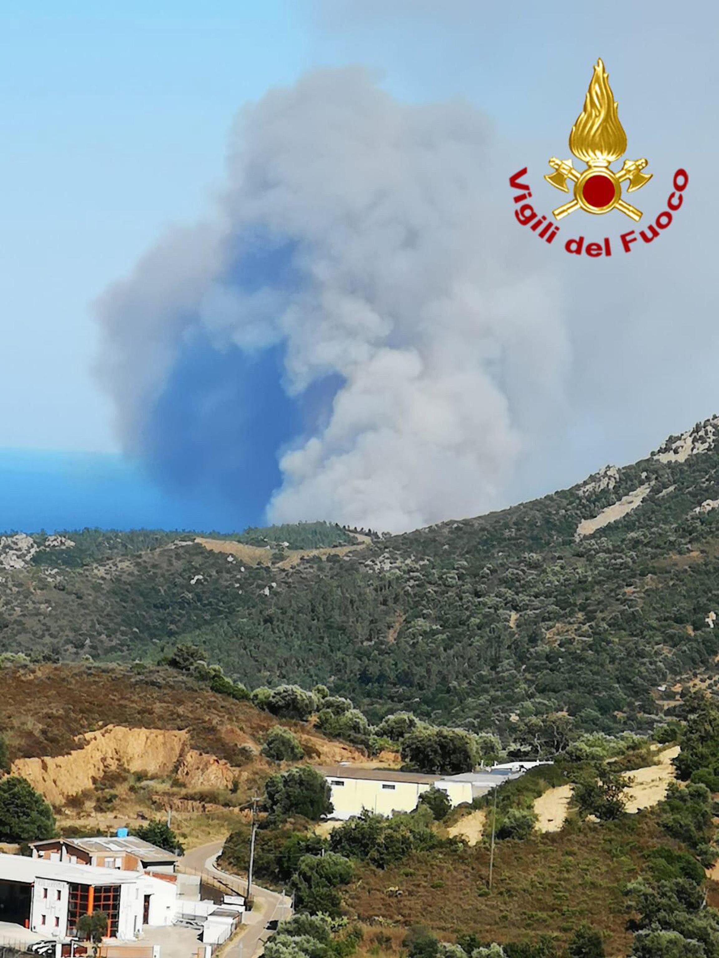 Sardegna, un nuovo incendio è divampato in Ogliastra