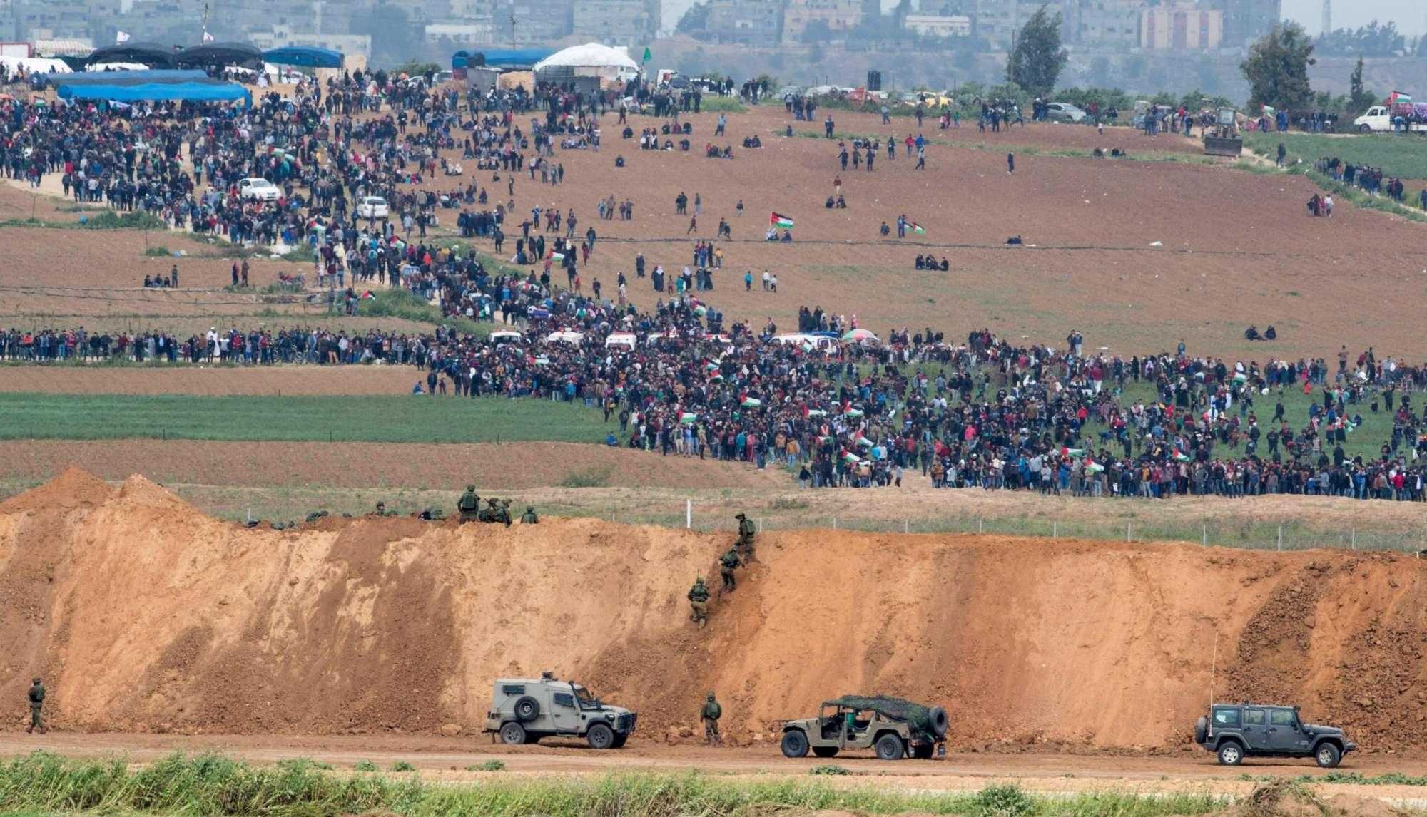 Gaza, scontri al confine nel Land Day: l esercito israeliano spara sulla folla