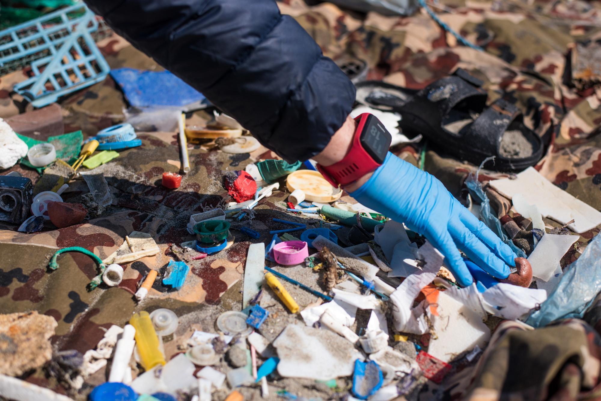 Legambiente: sulle spiagge dieci rifiuti per ogni metro