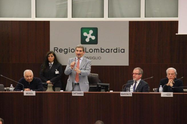 Lombardia, il nuovo inno firmato da Mogol e Lavezzi è identico a un brano del 1991