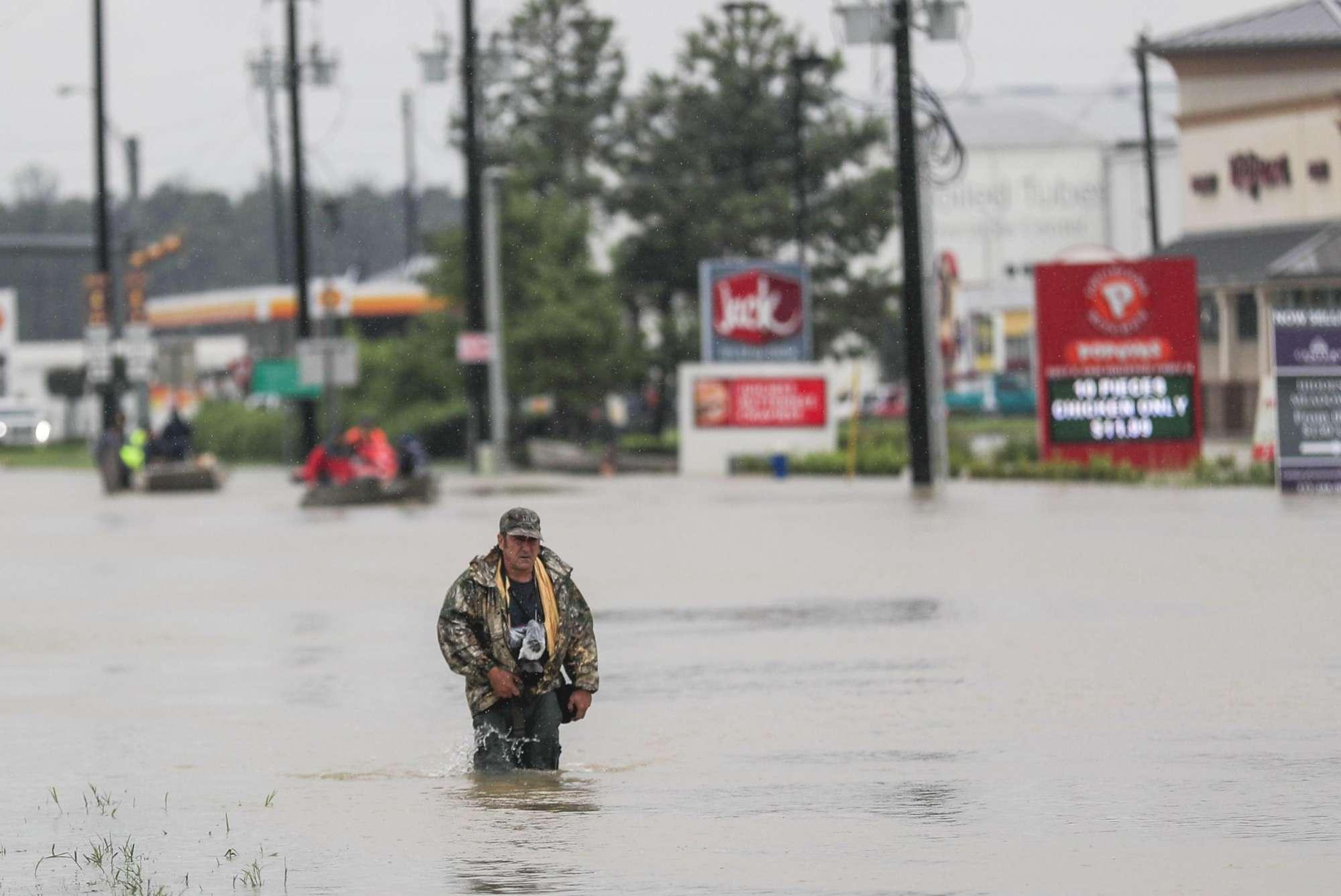 Usa, la tempesta Harvey continua a devastare il Texas