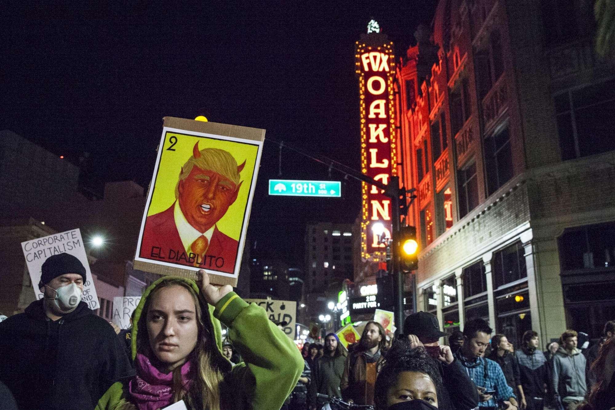 Proteste e cortei contro l elezione di Donald Trump