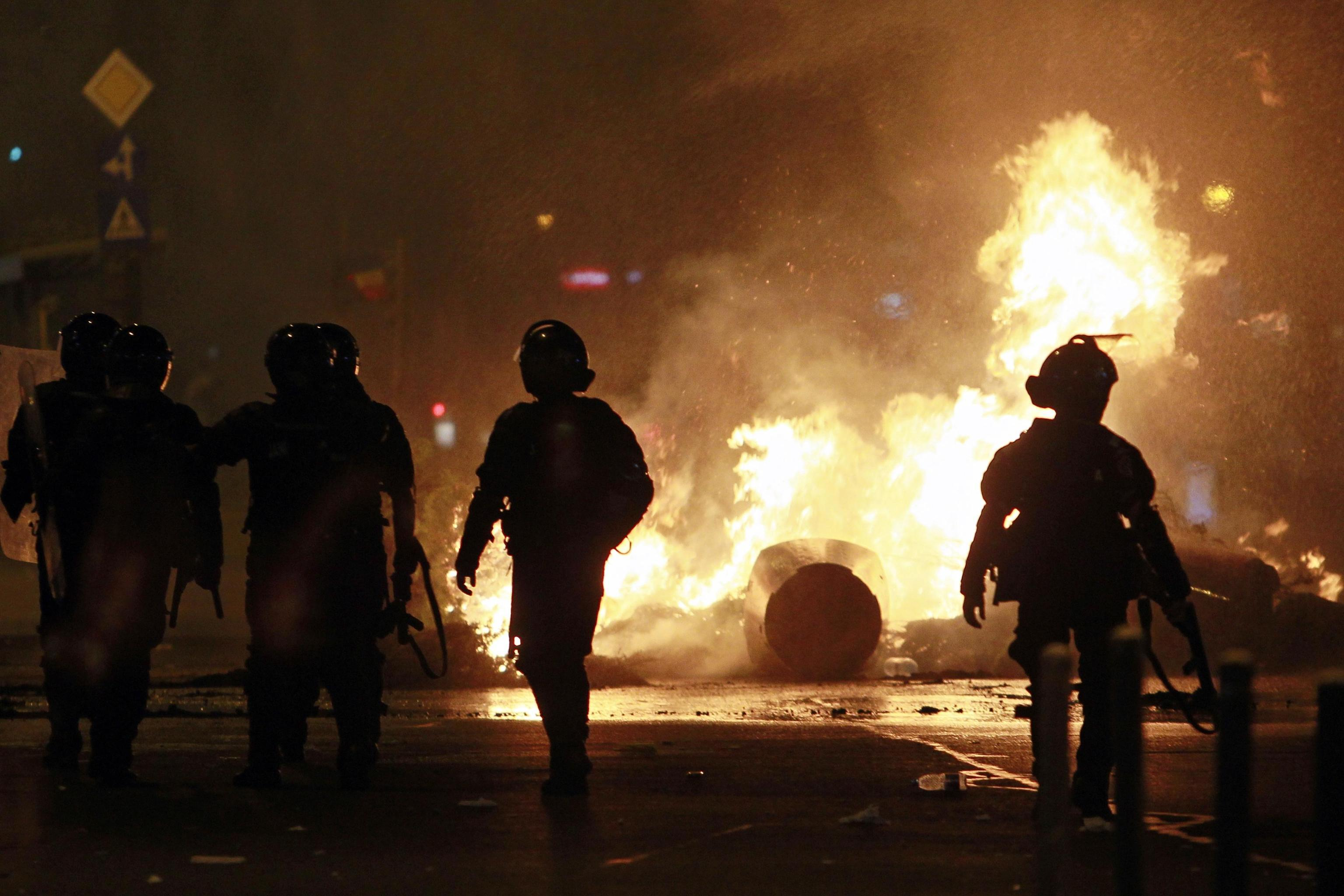 Romania, proteste contro il governo: le immagini della manifestazione e degli scontri