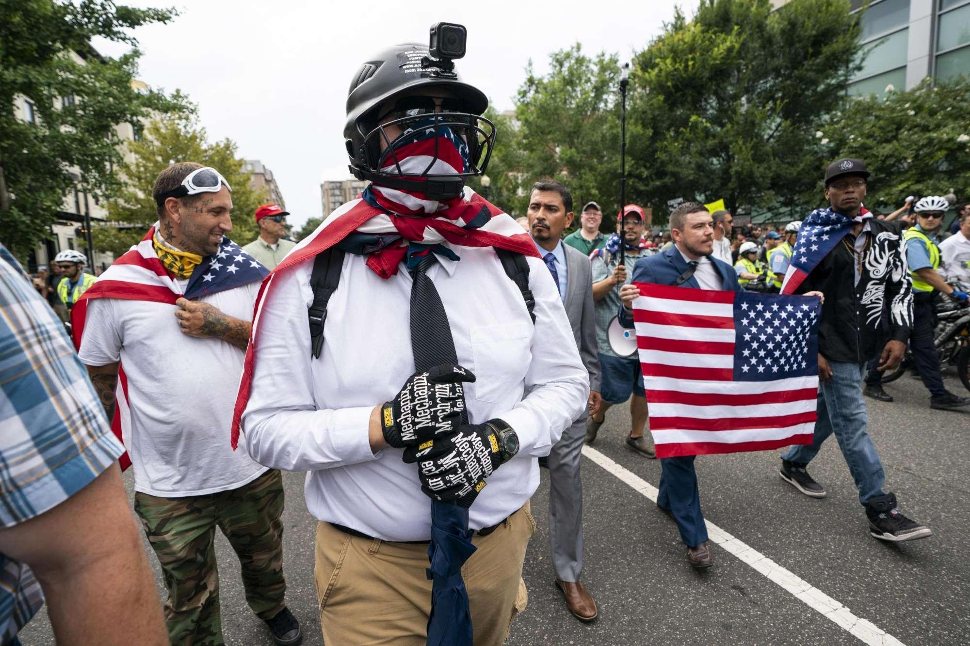 Un anno fa Charlottesville: a Washington sfila l ultradestra, contro-manifestazione dei progressisti