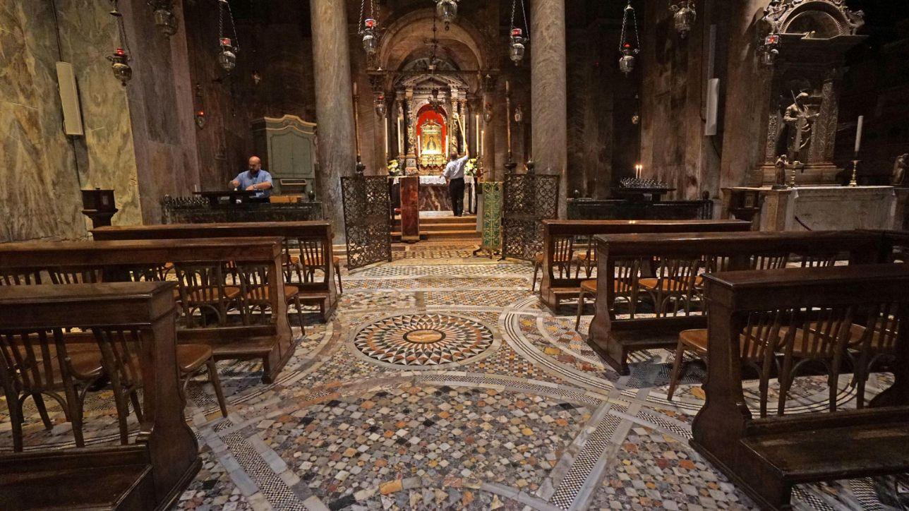 Venezia, l'acqua alta danneggia la Basilica di San Marco