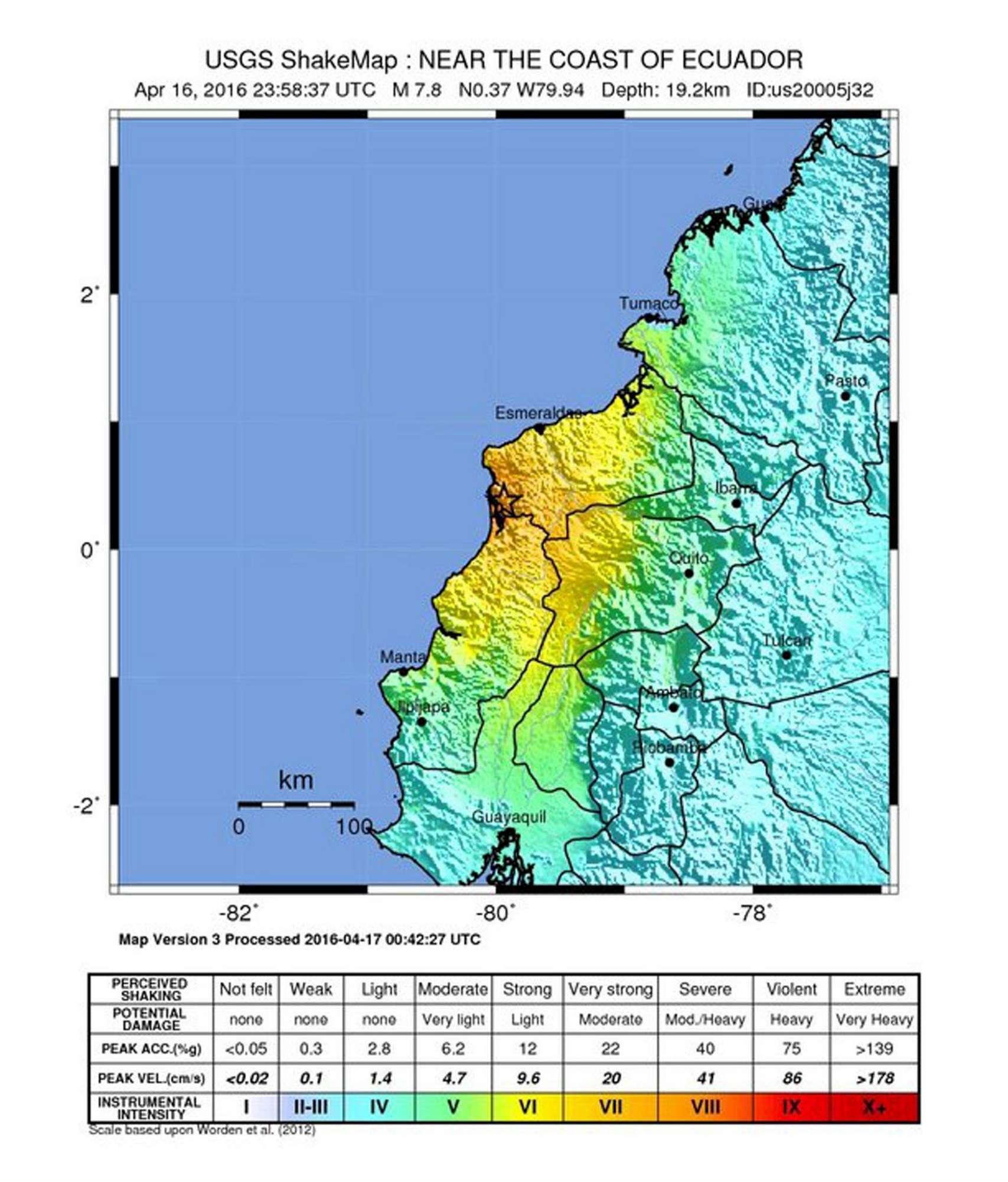 Forte sisma in Ecuador