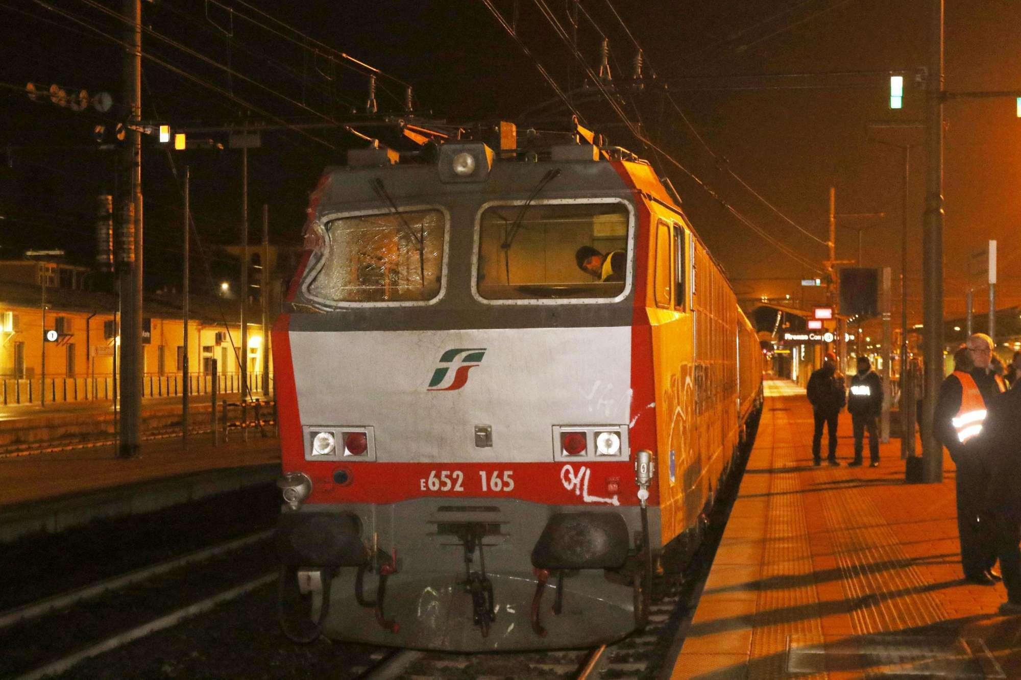 Firenze, treno investe piattaforma con tre operai