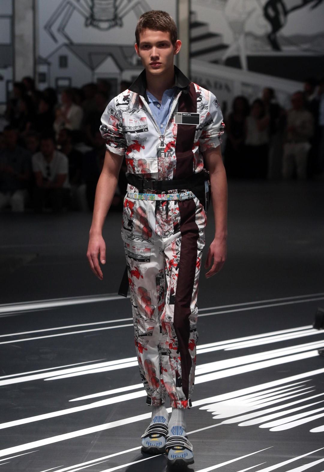 06b49ad615 Milano Moda Uomo: l'eleganza maschile in passerella - Foto Tgcom24