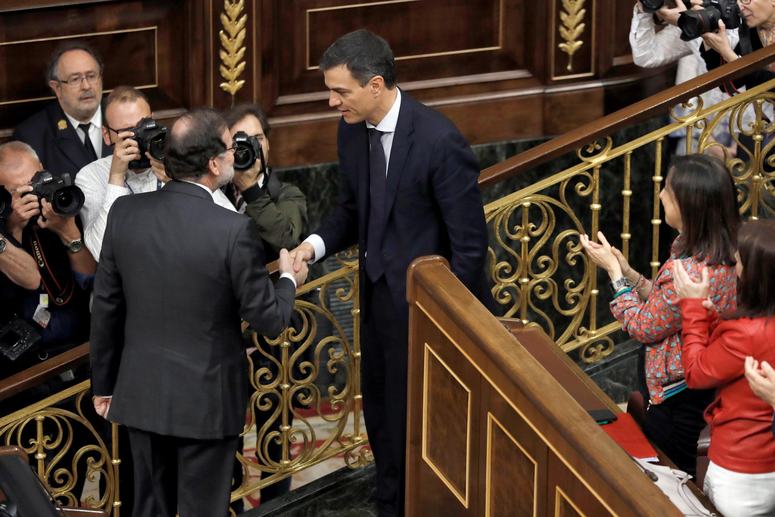 Spagna: Rajoy sfiduciato, il socialista Sanchez è il nuovo premier