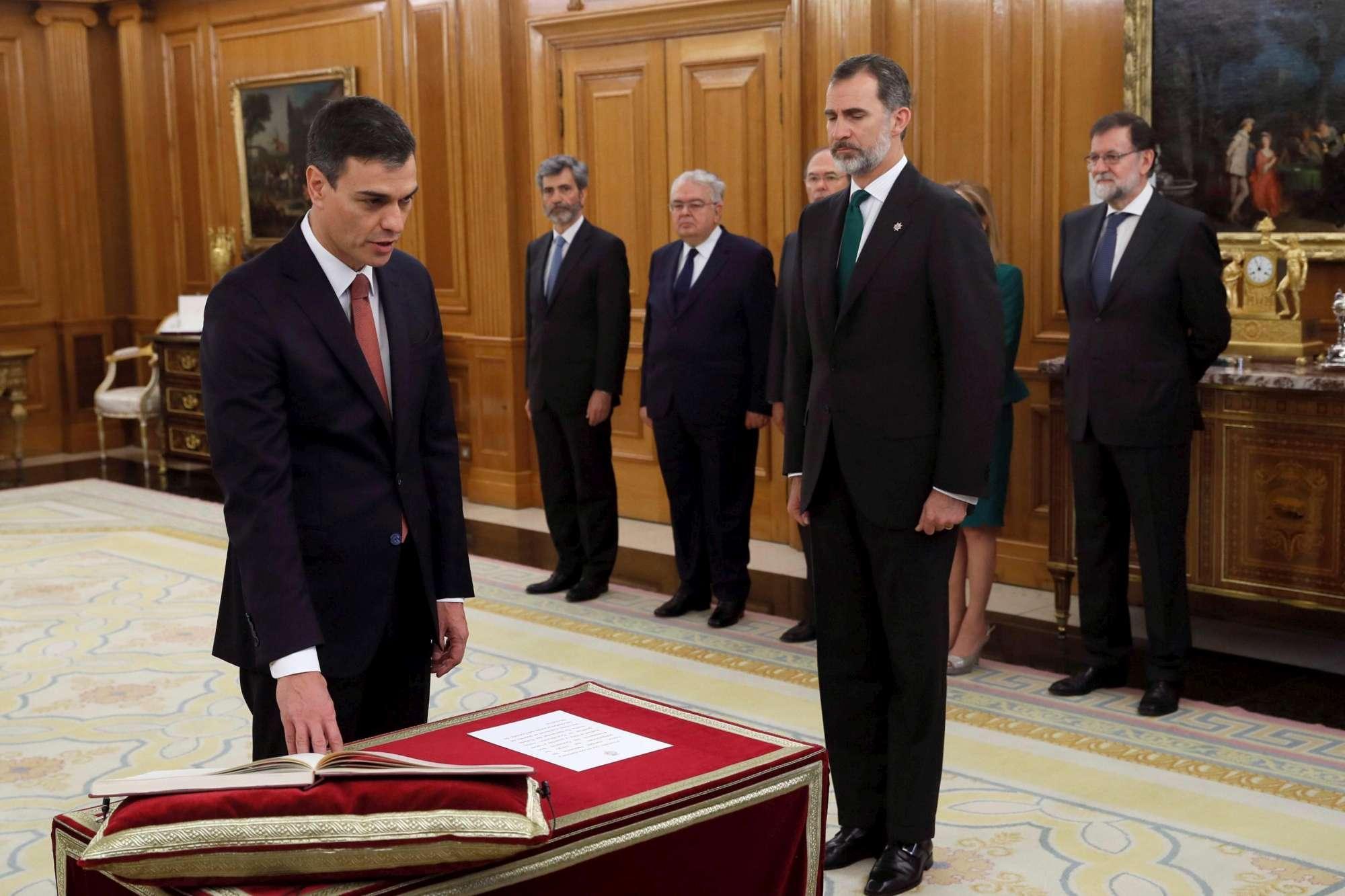 Spagna, Sanchez ha giurato come premier