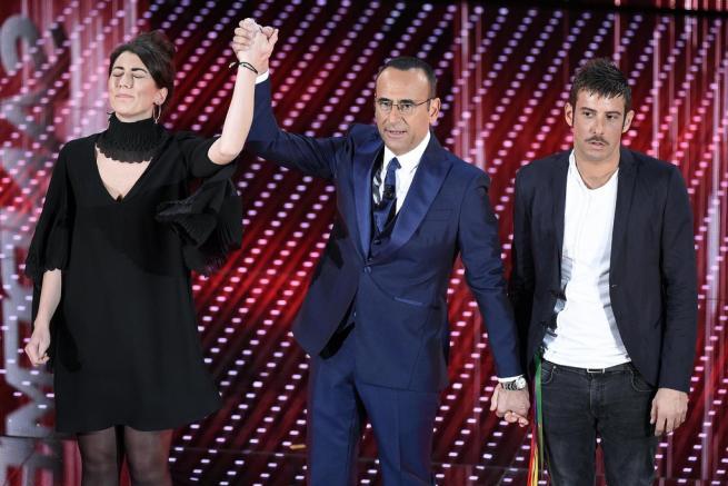 Sanremo 2016, cover: trionfo Stadio Pasticcio voto per le Nuove proposte