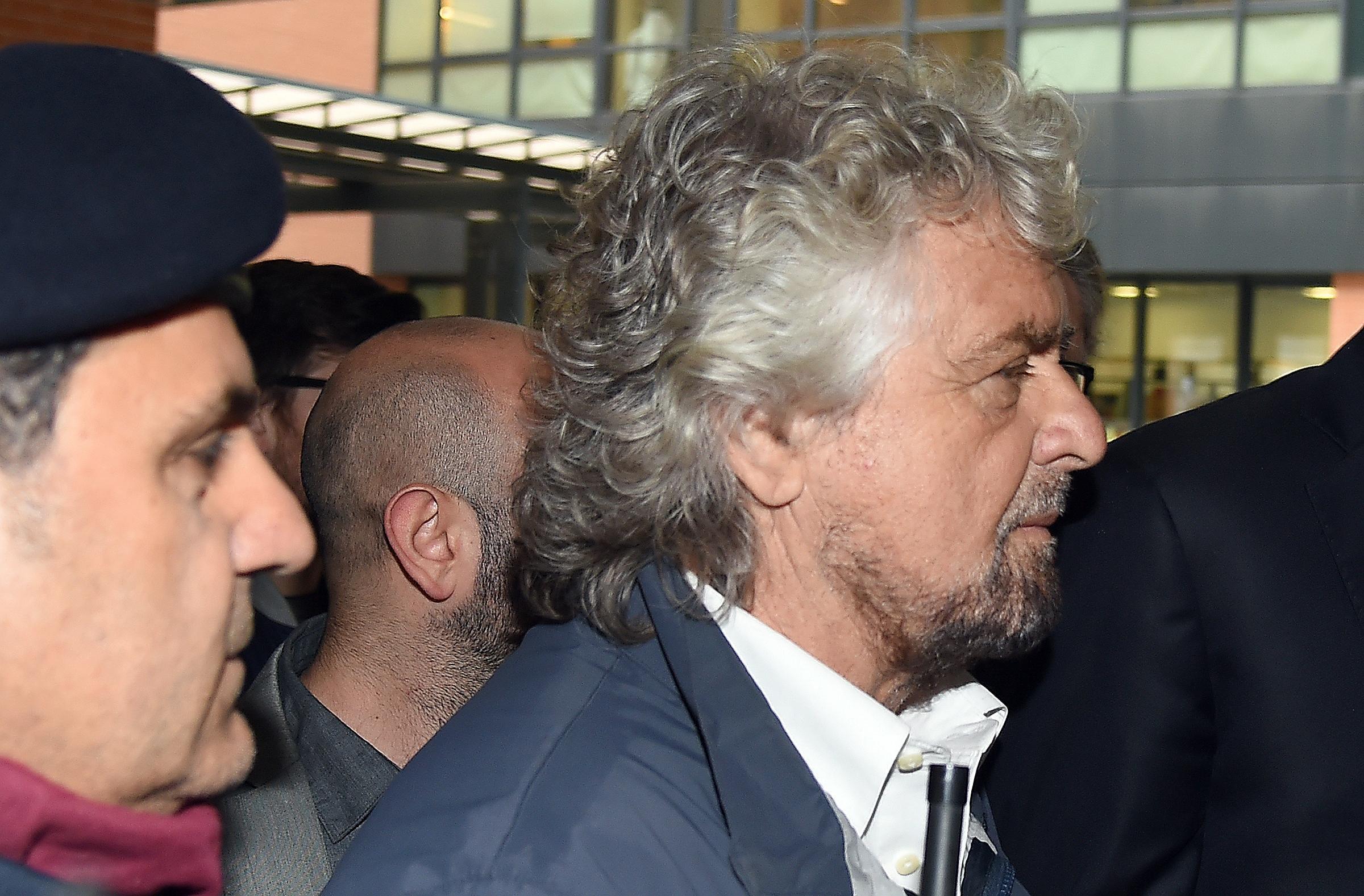 Milano, Grillo alla camera ardente di Gianroberto Casaleggio