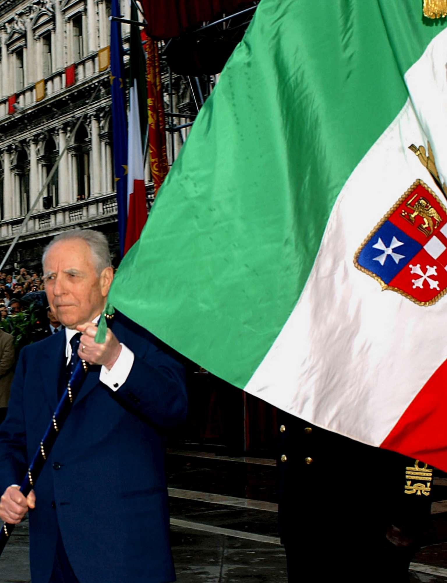Addio a Carlo Azeglio Ciampi, il presidente che ha ridato orgoglio agli italiani
