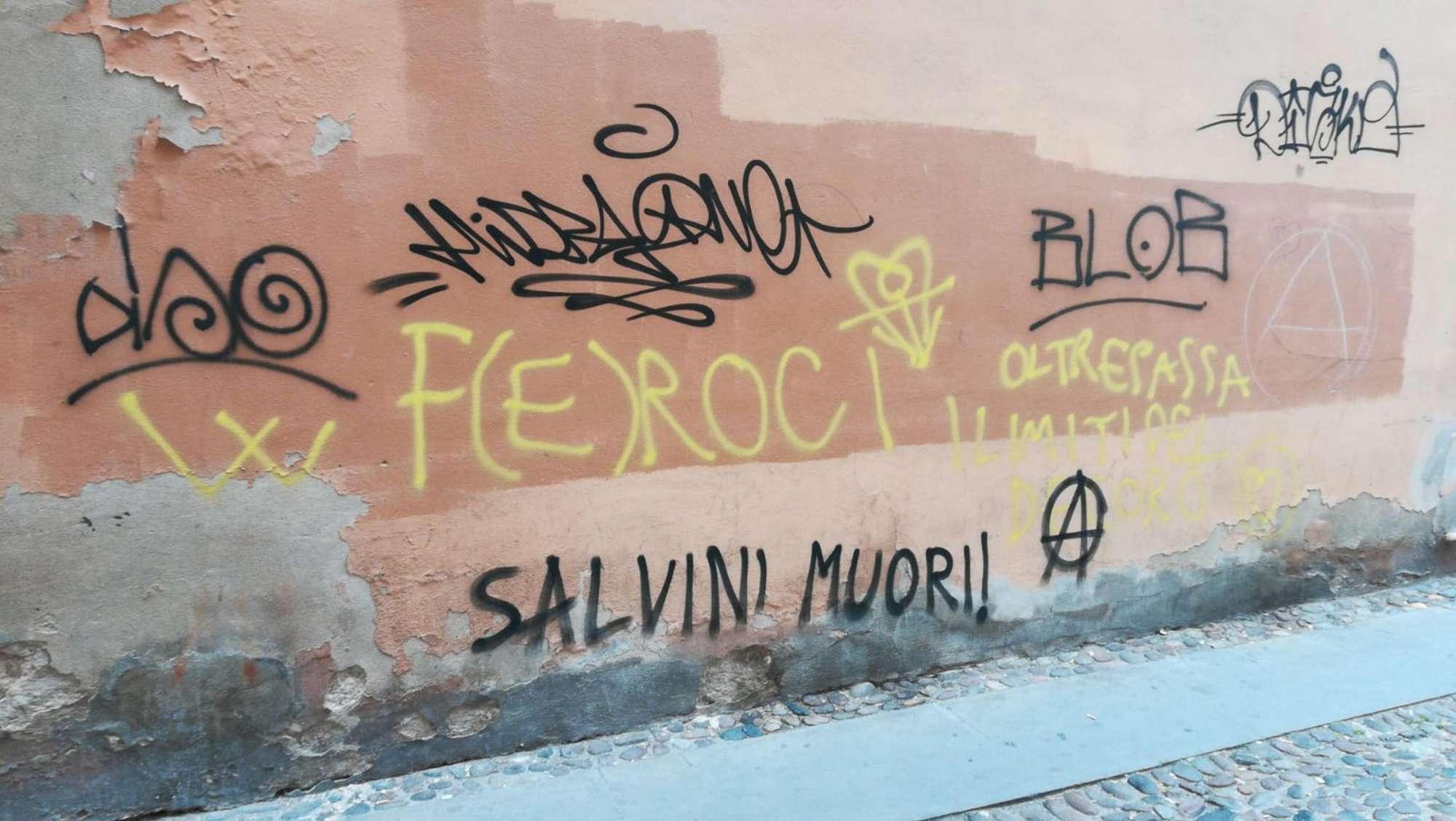 A Ferrara scritte minacciose contro Salvini