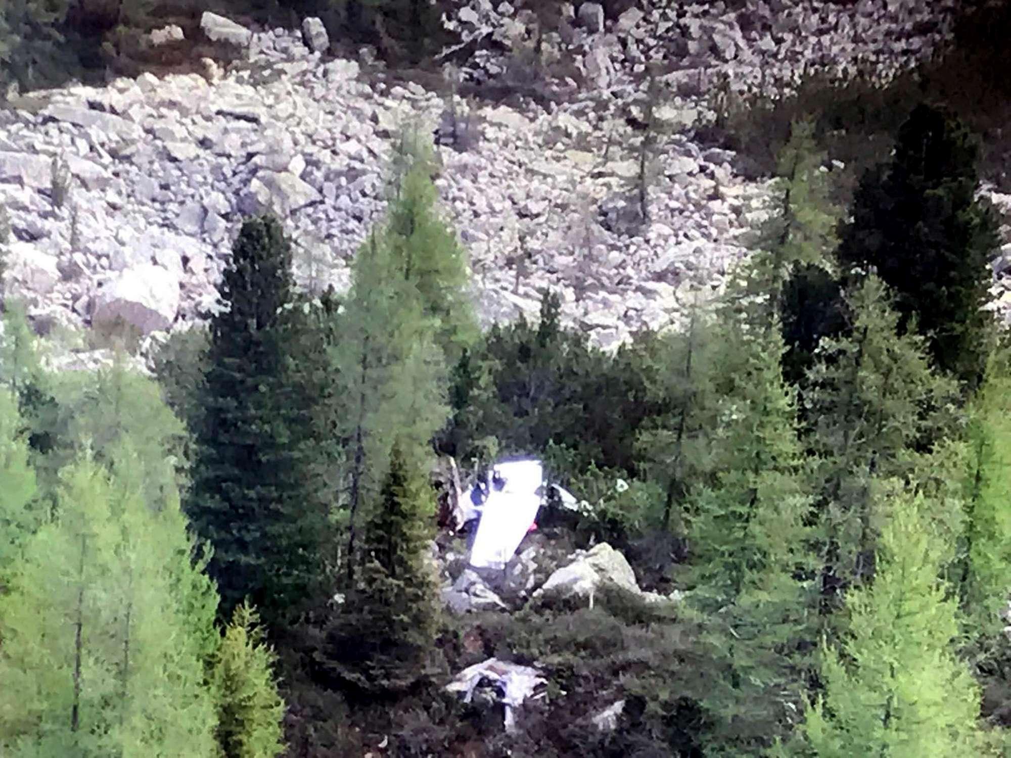 Cade aereo da turismo in Trentino, un morto e una donna ferita