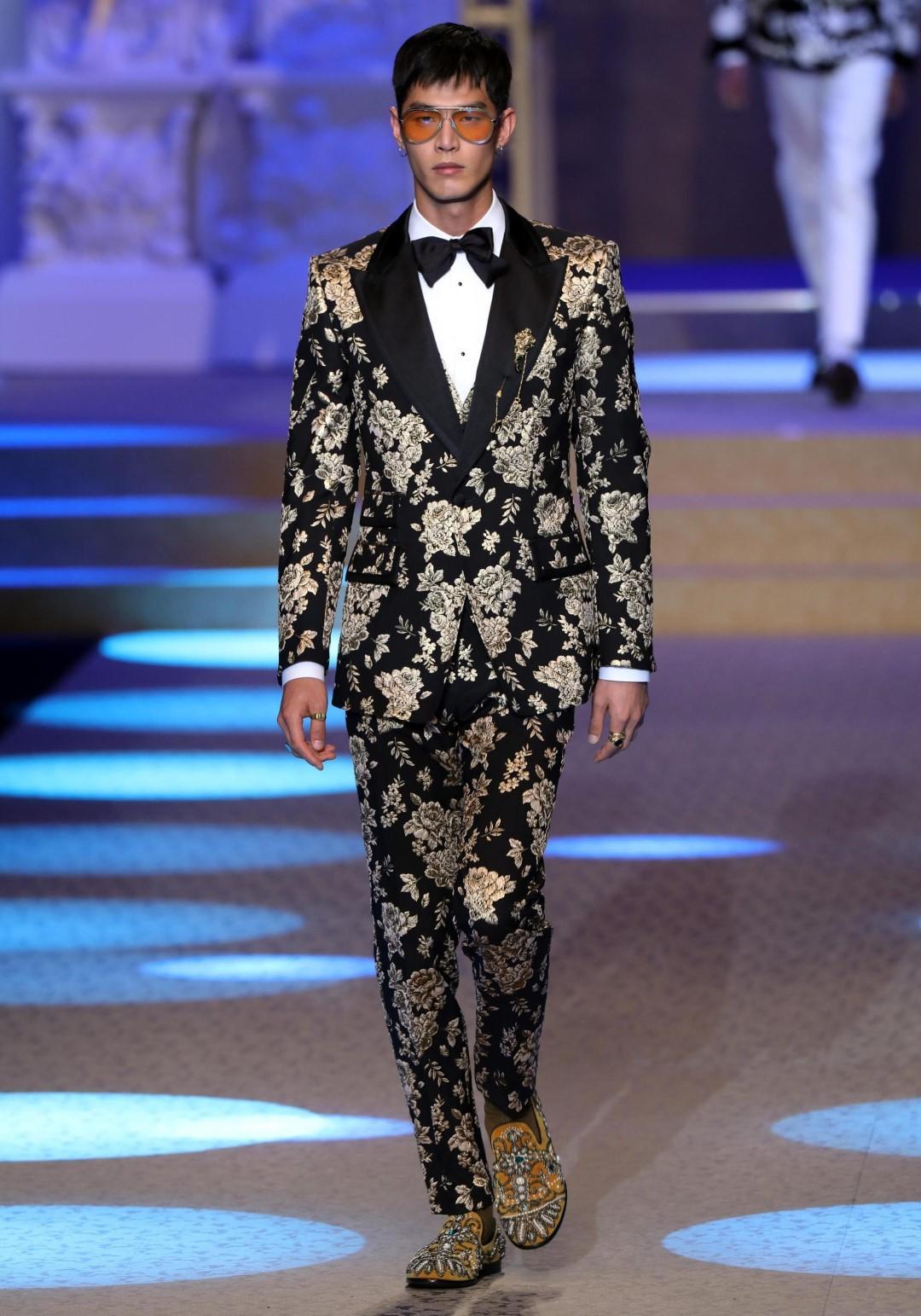 Milano: in passerella l'eleganza maschile