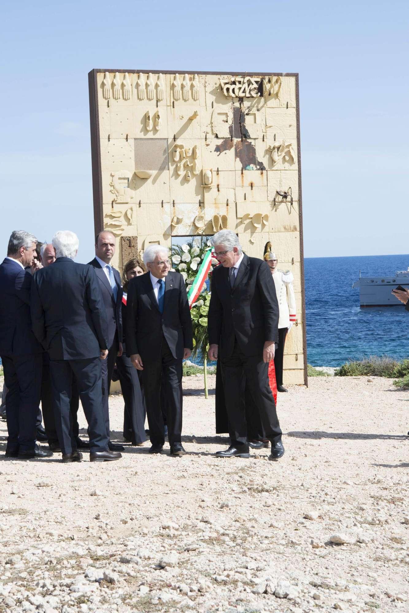 Sergio Mattarella in visita a Lampedusa