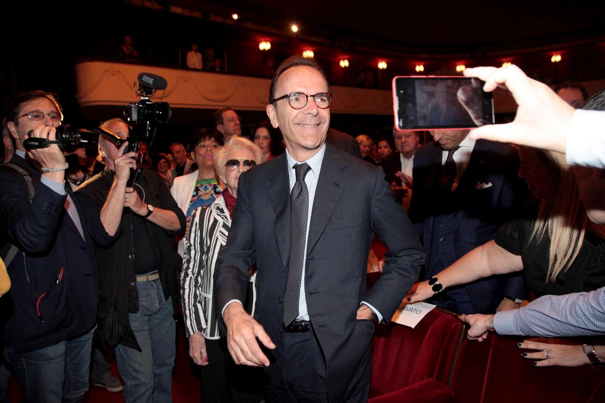 Milano, le candidature di Forza Italia presentate al teatro Manzoni