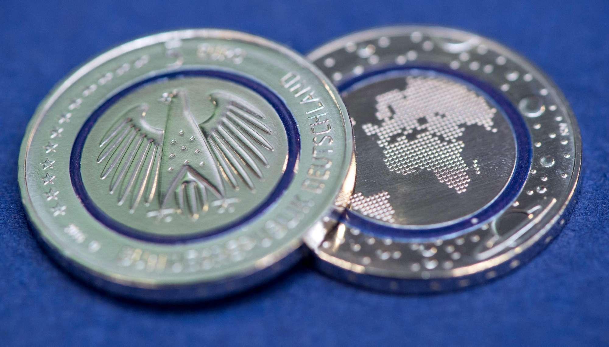 La Germania conia una moneta da 5 euro: vale solo entro i confini tedeschi
