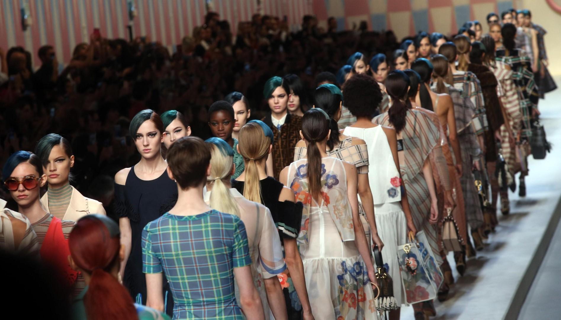 Milano Moda Donna: la sfilata di Fendi