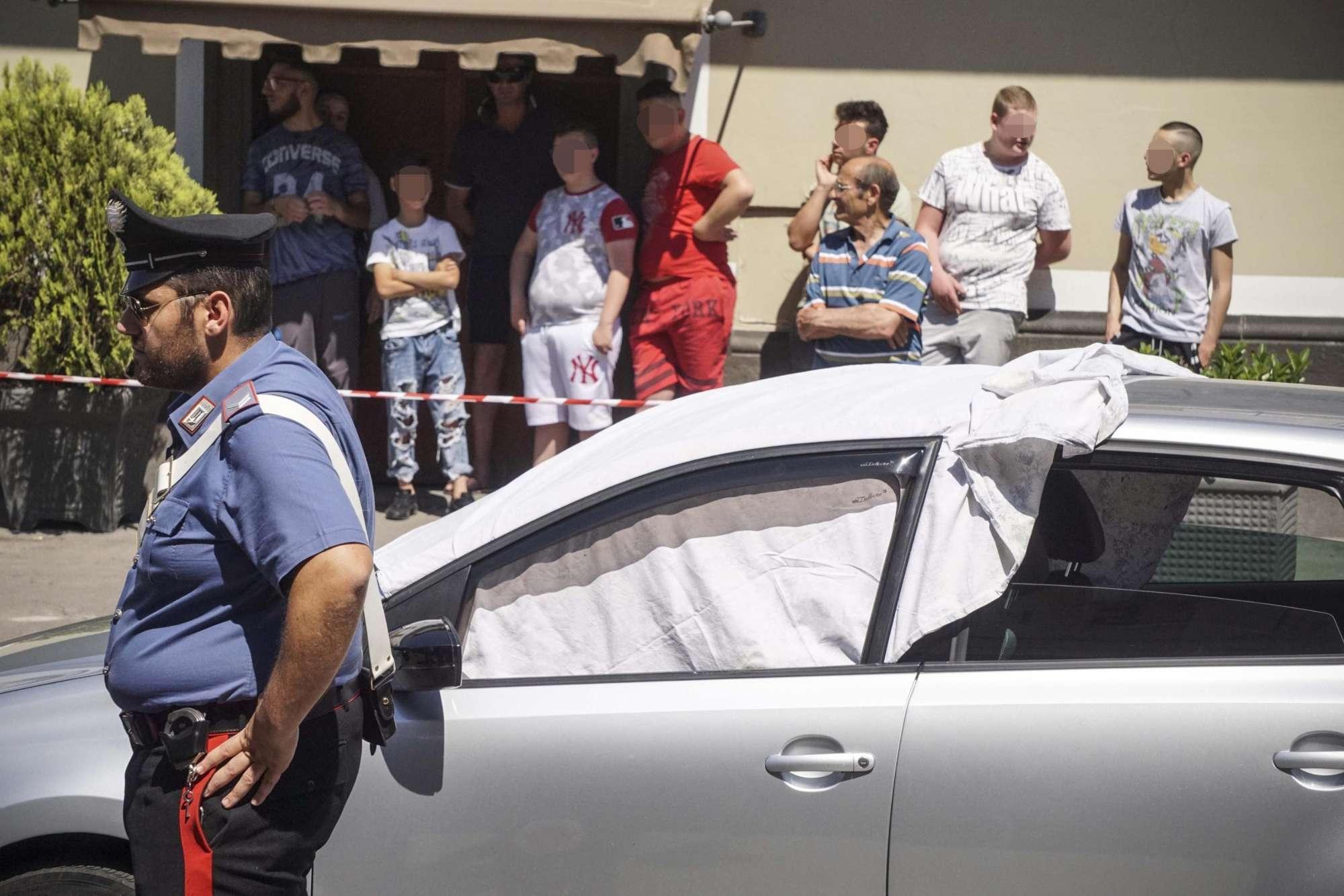 Agguato nel Napoletano: 52enne ucciso davanti al figlio