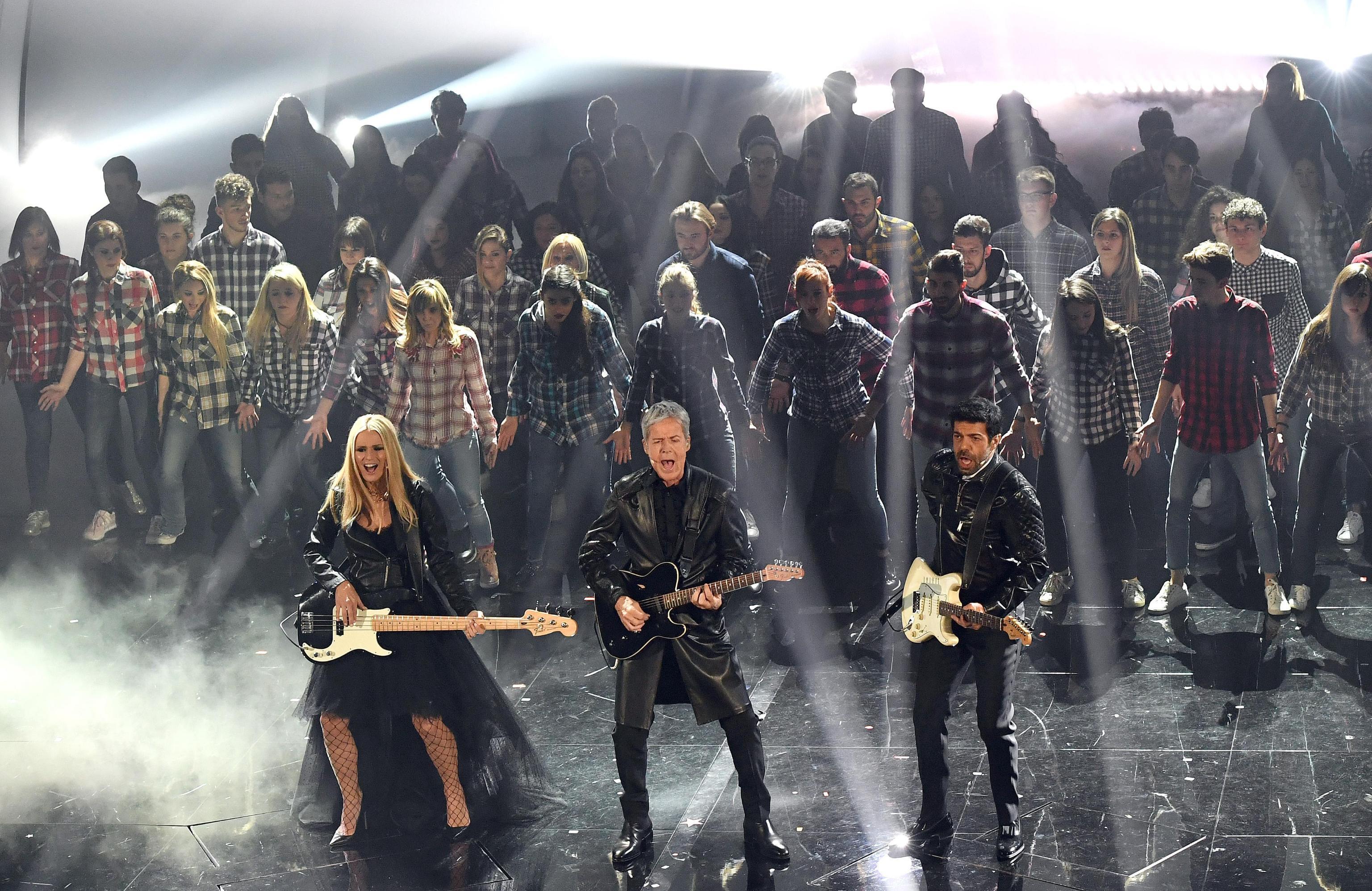 Sanremo 2018, gli ospiti e i duetti della quarta serata