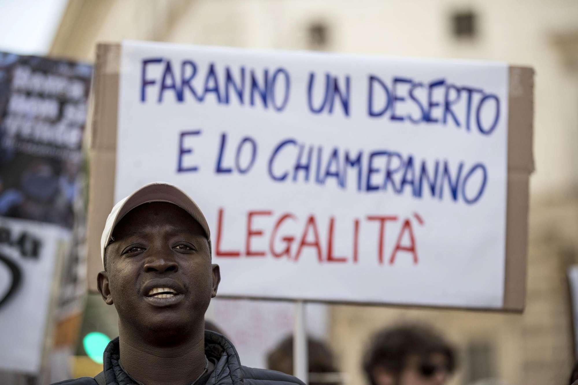 Ambulante morto, parenti e amici manifestano a Roma