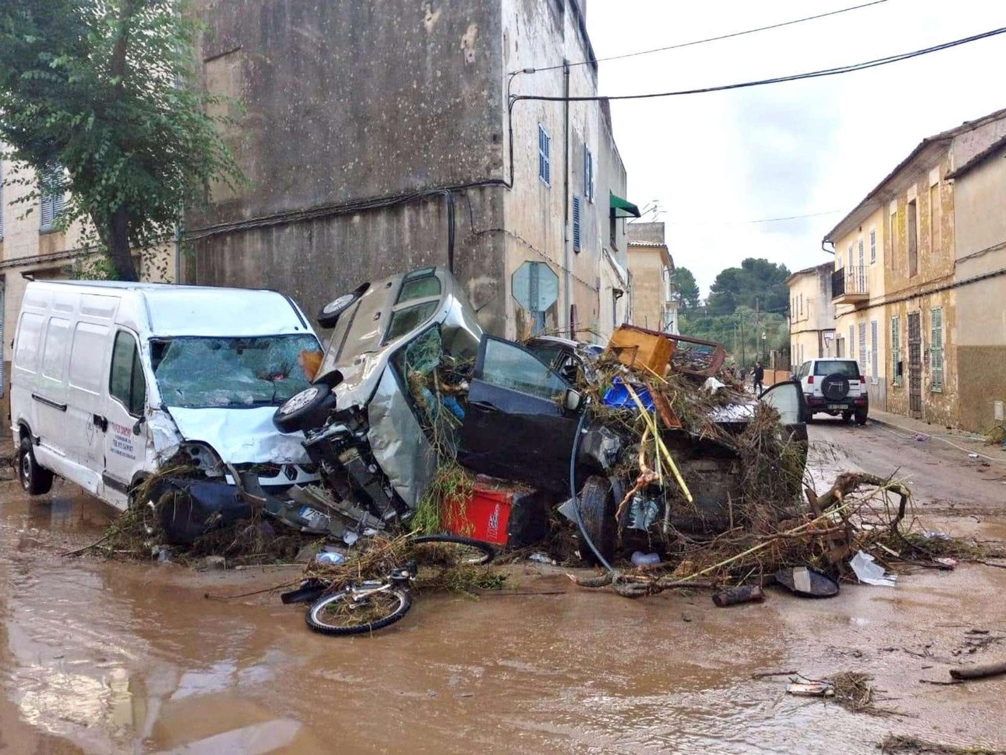 Alluvione in Spagna, piogge devastano Maiorca: 8 morti