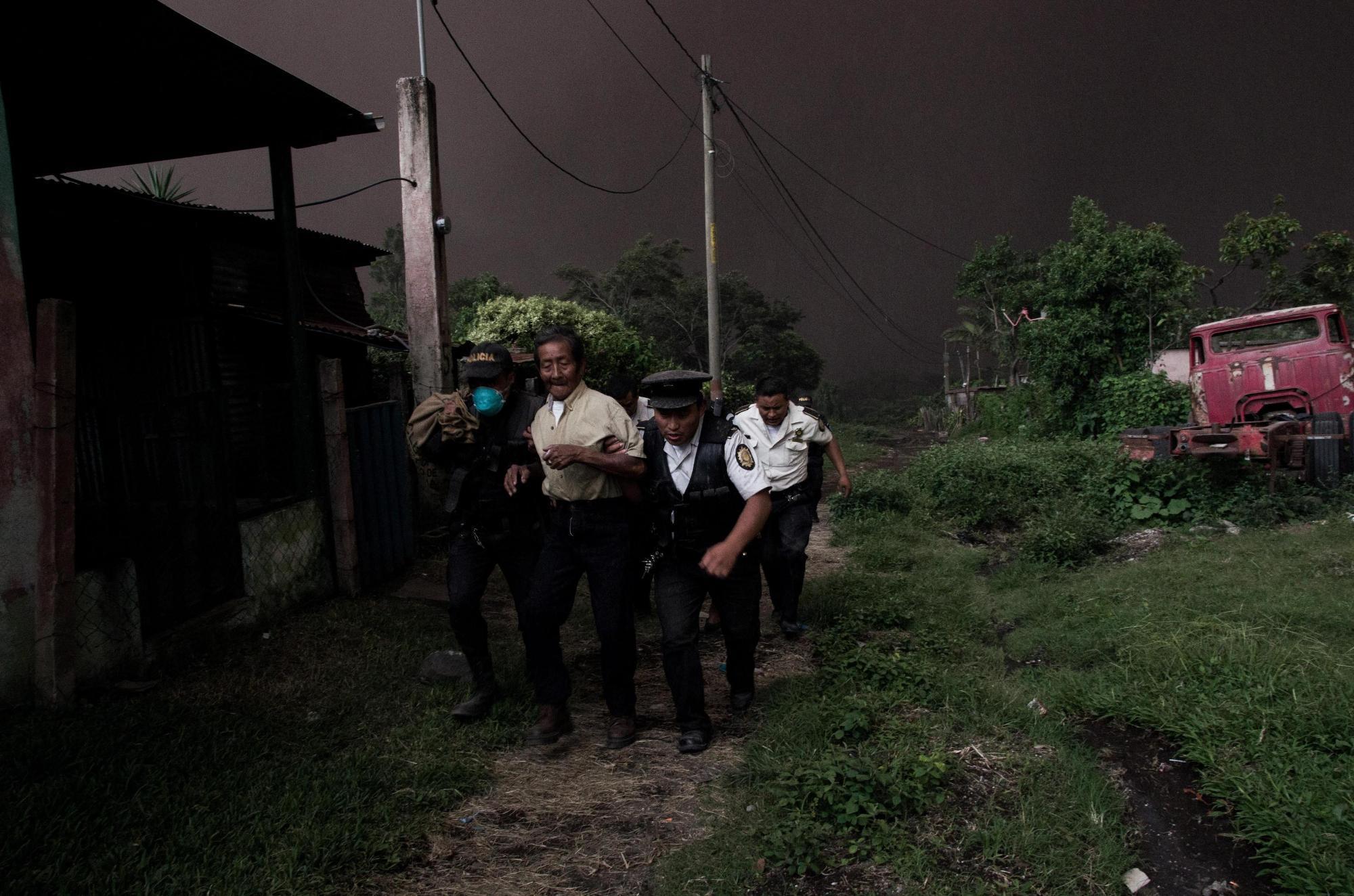 Città del Guatemala, l eruzione del Vulcano del Fuego