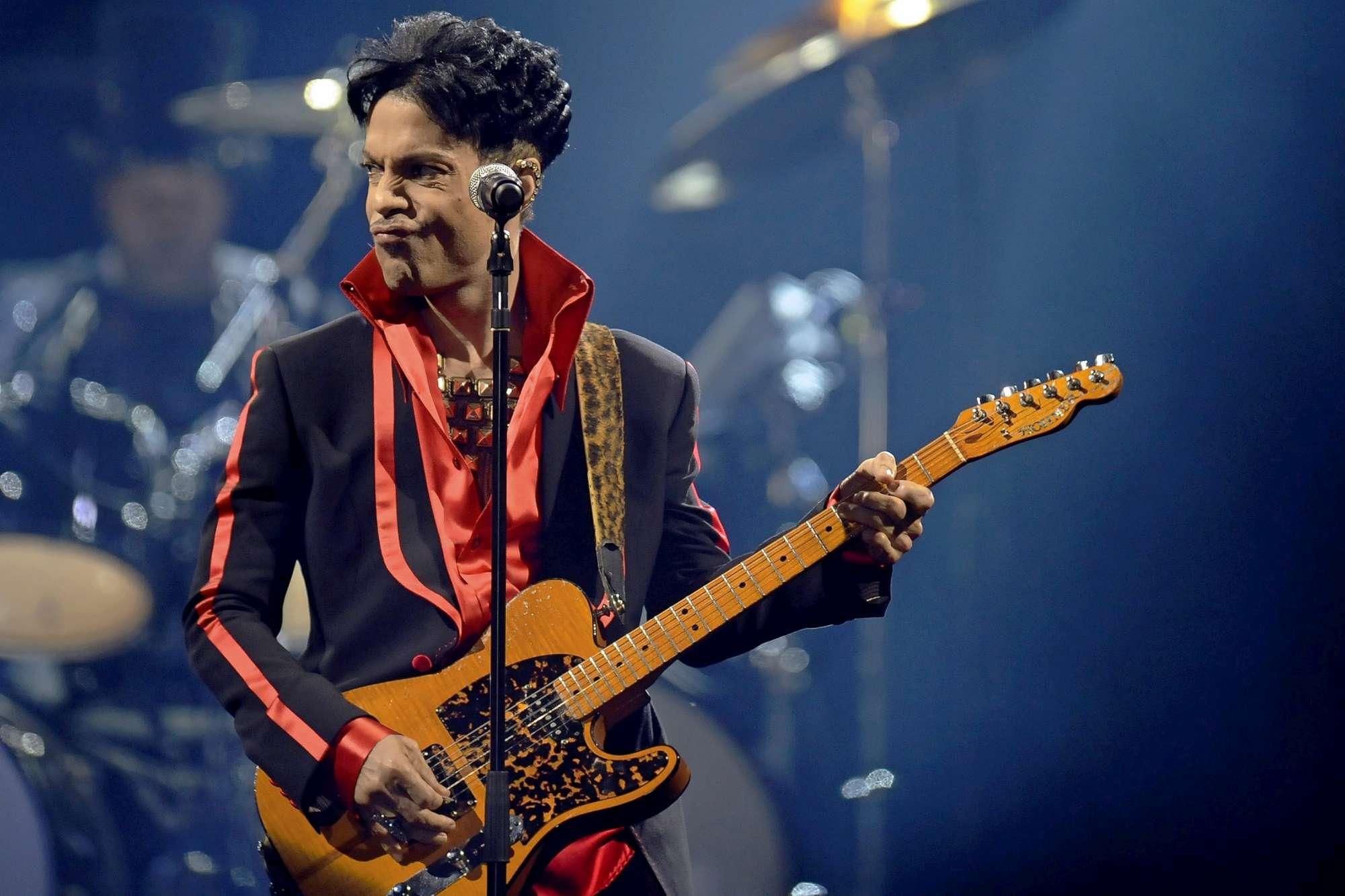 Addio a Prince, il Folletto che conquistò il mondo