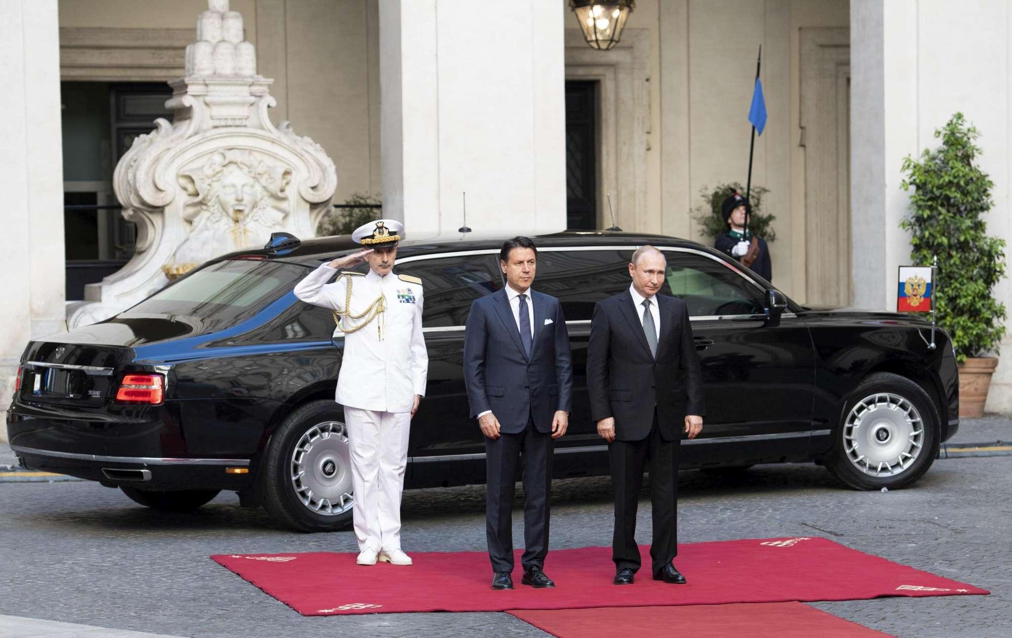 Putin a Roma, il bilaterale con Conte a Palazzo Chigi