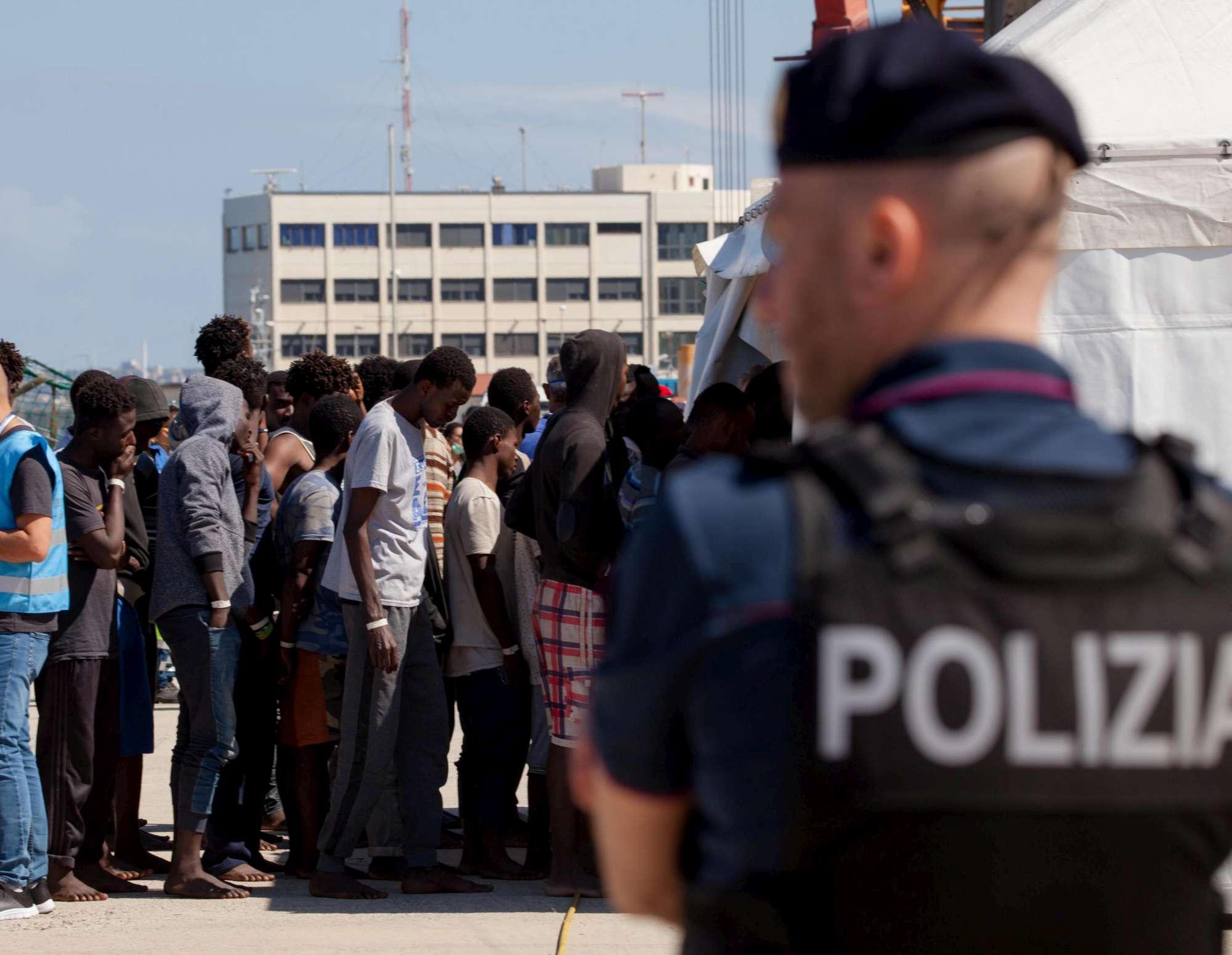 Migranti, primi sbarchi dell era Salvini: 232 arrivi a Reggio Calabria