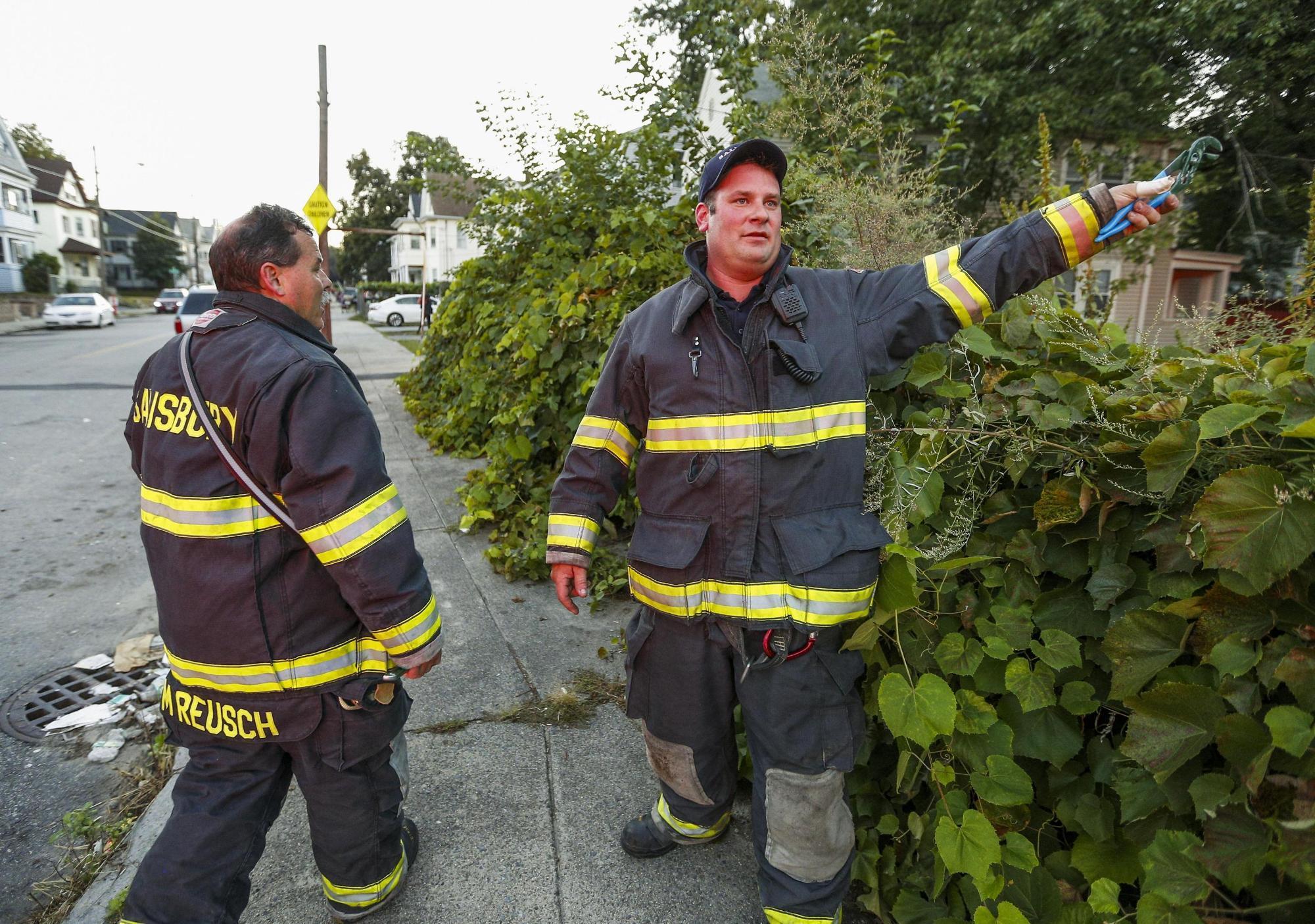Usa, esplosioni in tre città del Massachusetts: decine di edifici in fiamme