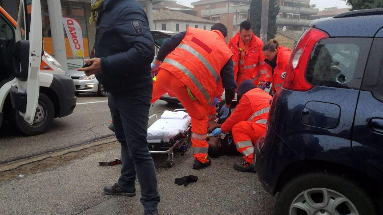 Spari a Macerata, le immagini di una mattinata da incubo