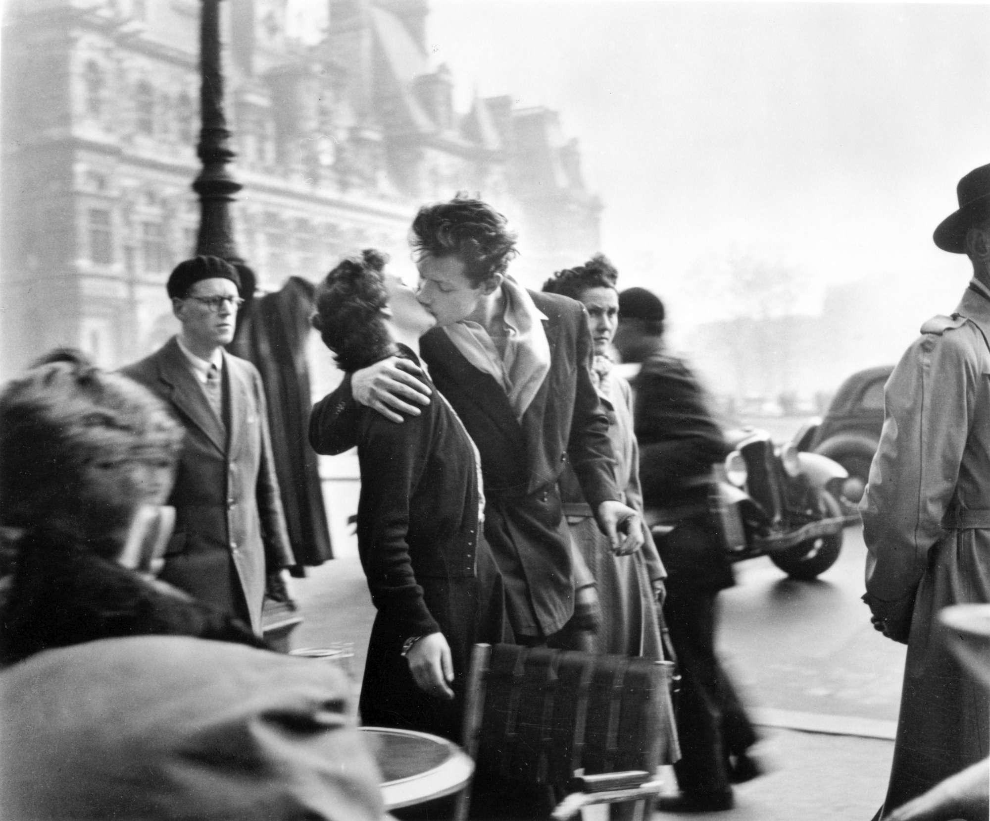 Le foto dei baci più famosi della storia