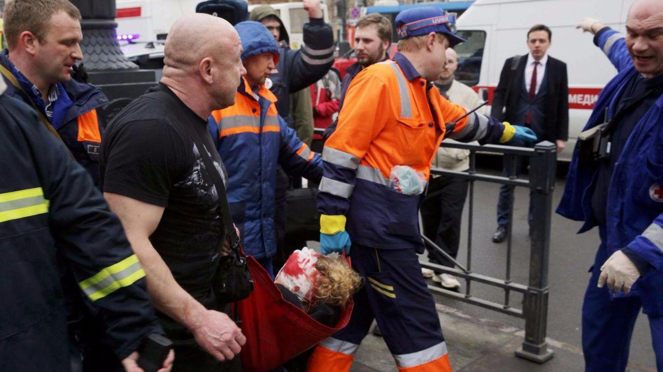 San Pietroburgo, i soccorsi dopo l'attentato in metrò