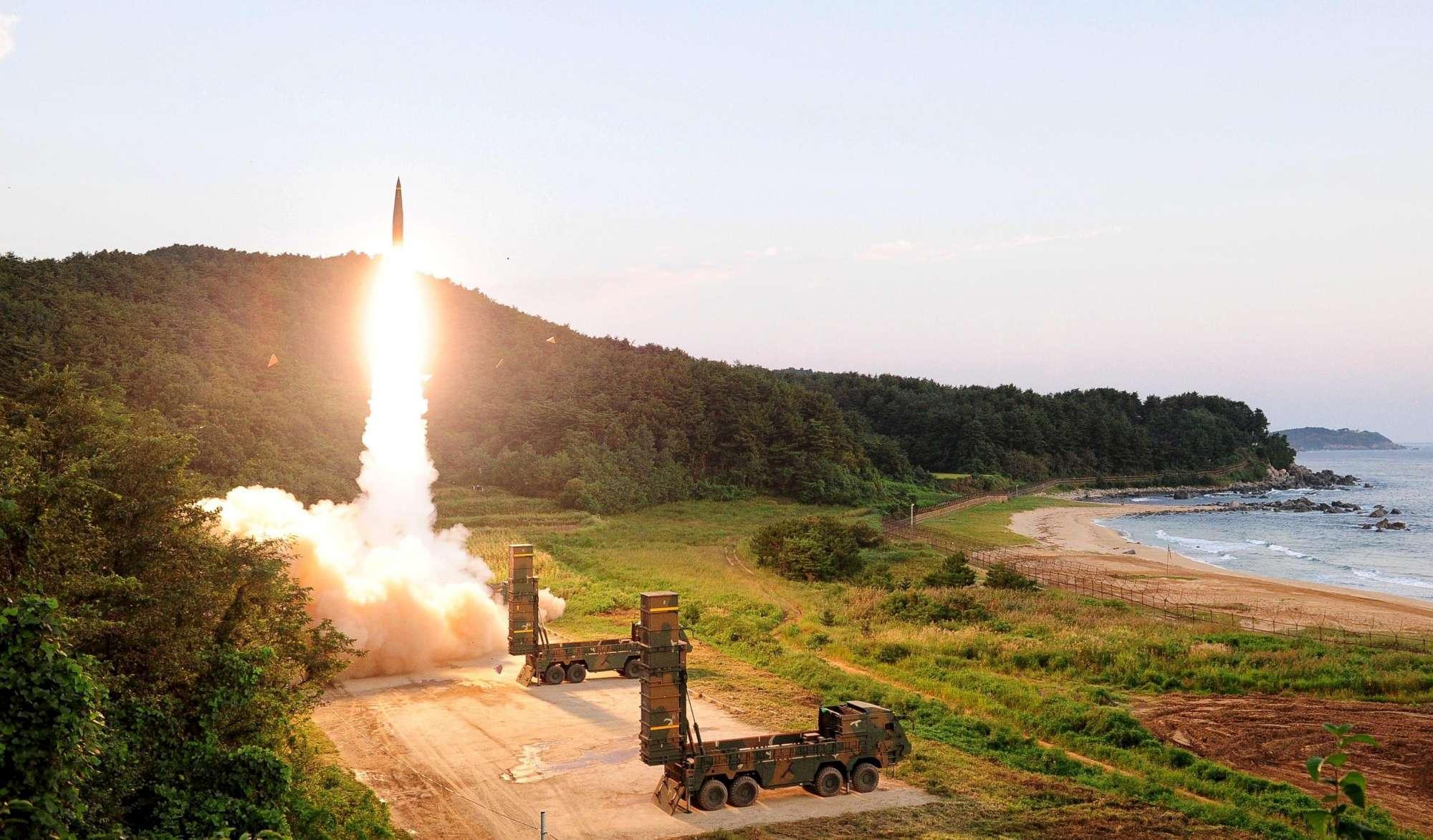 La Corea del Sud testa i suoi missili balistici