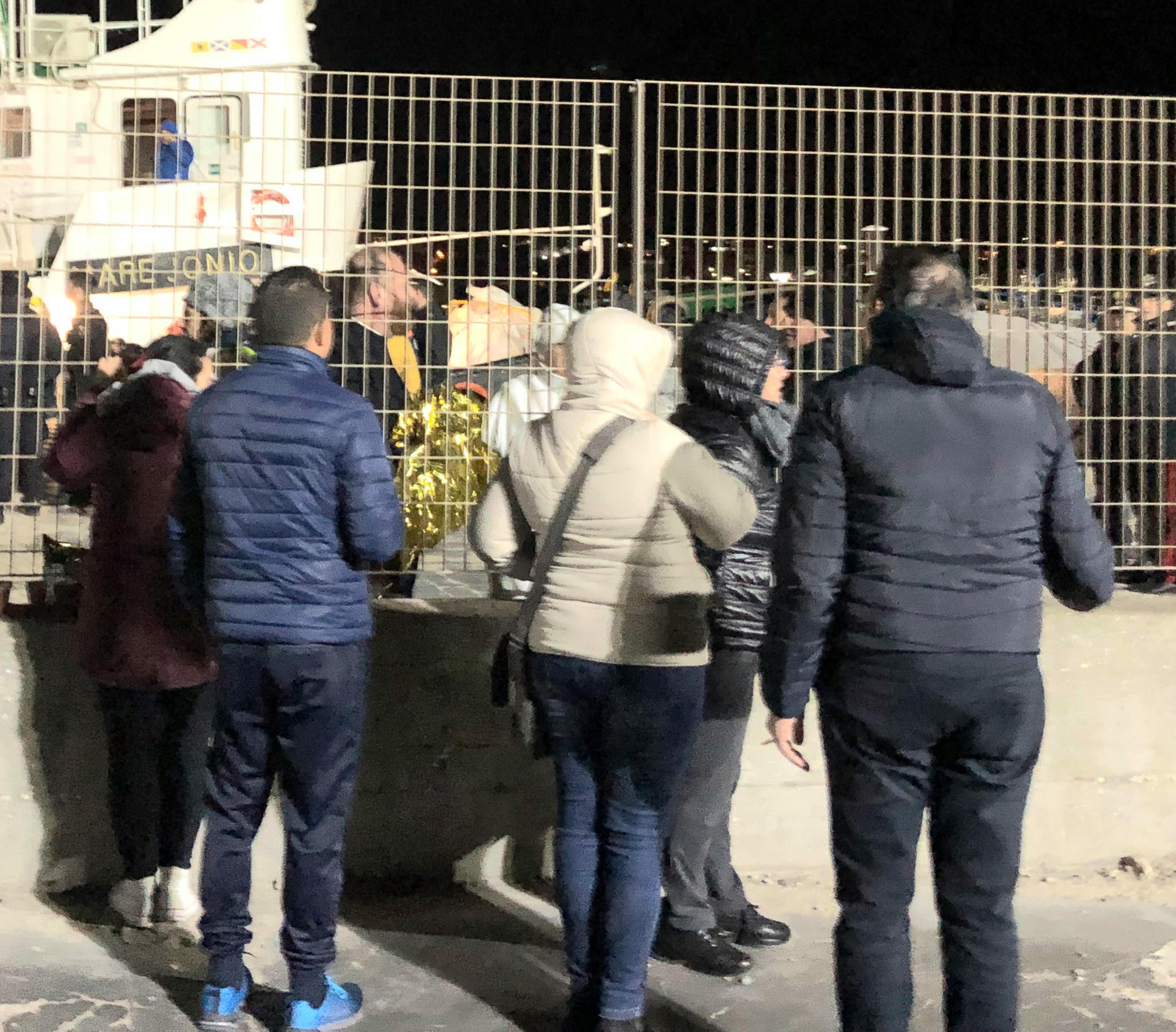 Lampedusa, sequestrata la nave Mare Jonio: migranti fatti sbarcare