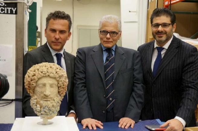La Testa di Ade torna in Sicilia, il Getty Museum la restituisce all Italia