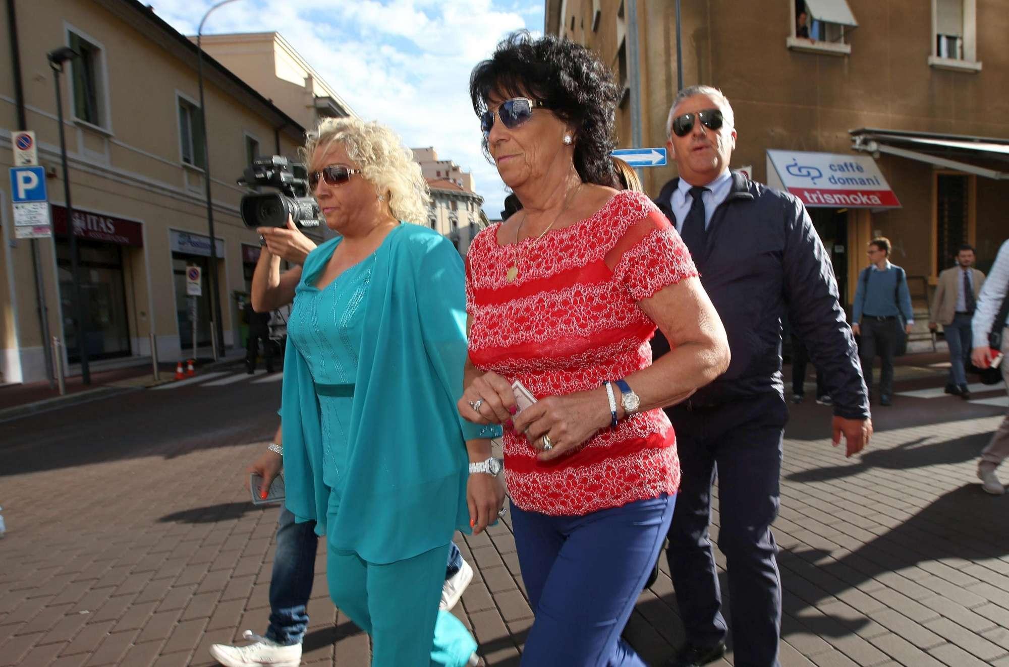 Yara, sorella, madre e moglie di Bossetti in tribunale