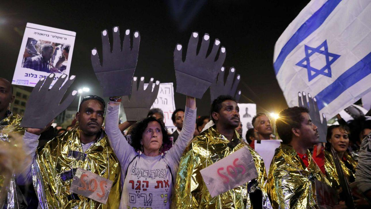 Israele, 20mila persone alla manifestazione contro l'espulsione di migranti