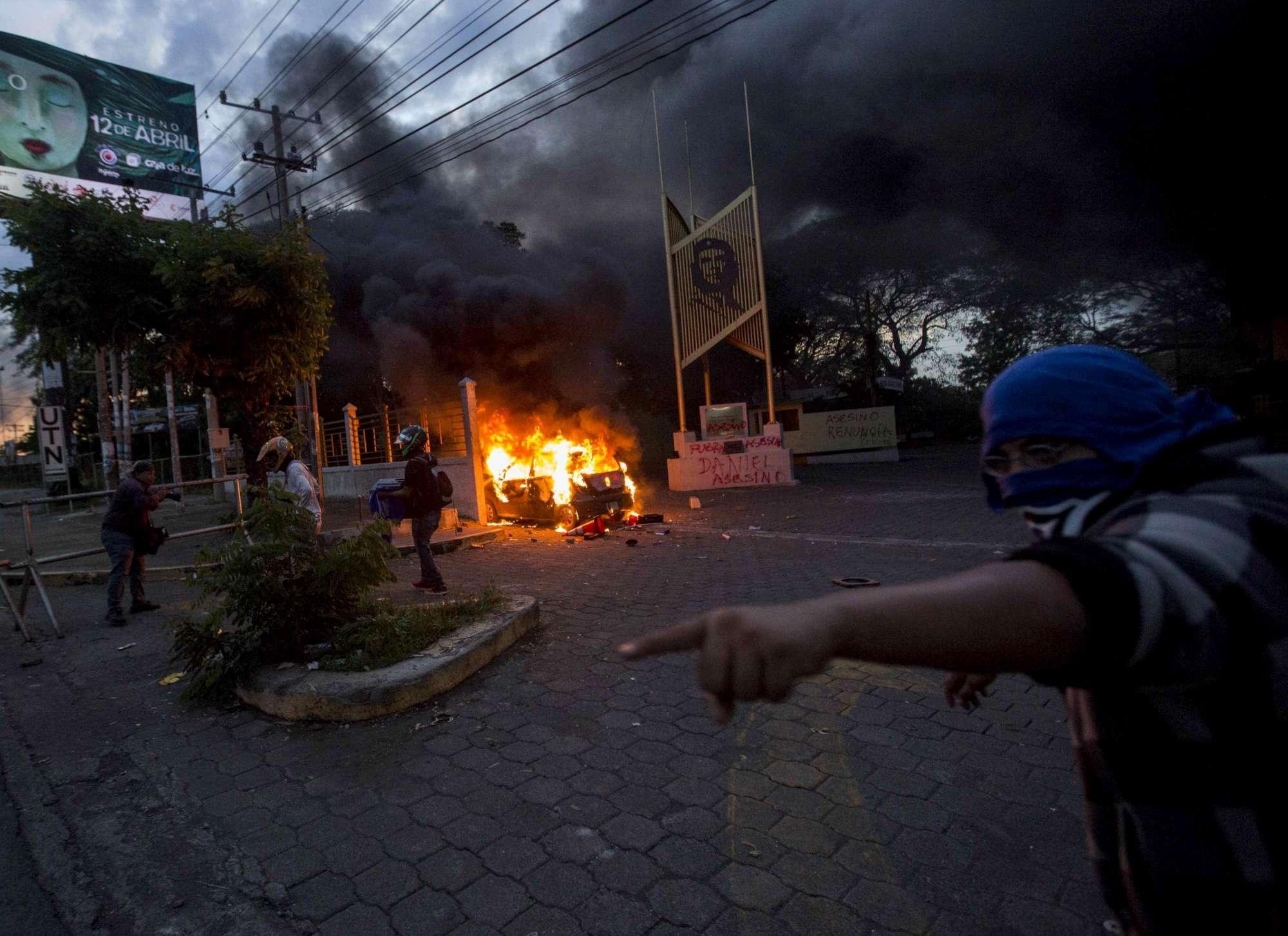 Nicaragua, marcia contro il presidente Ortega finisce nel sangue