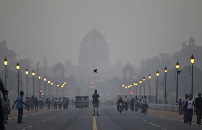 Aria irrespirabile, per la prima volta l India batte la Cina:inquinamento record nel 2015