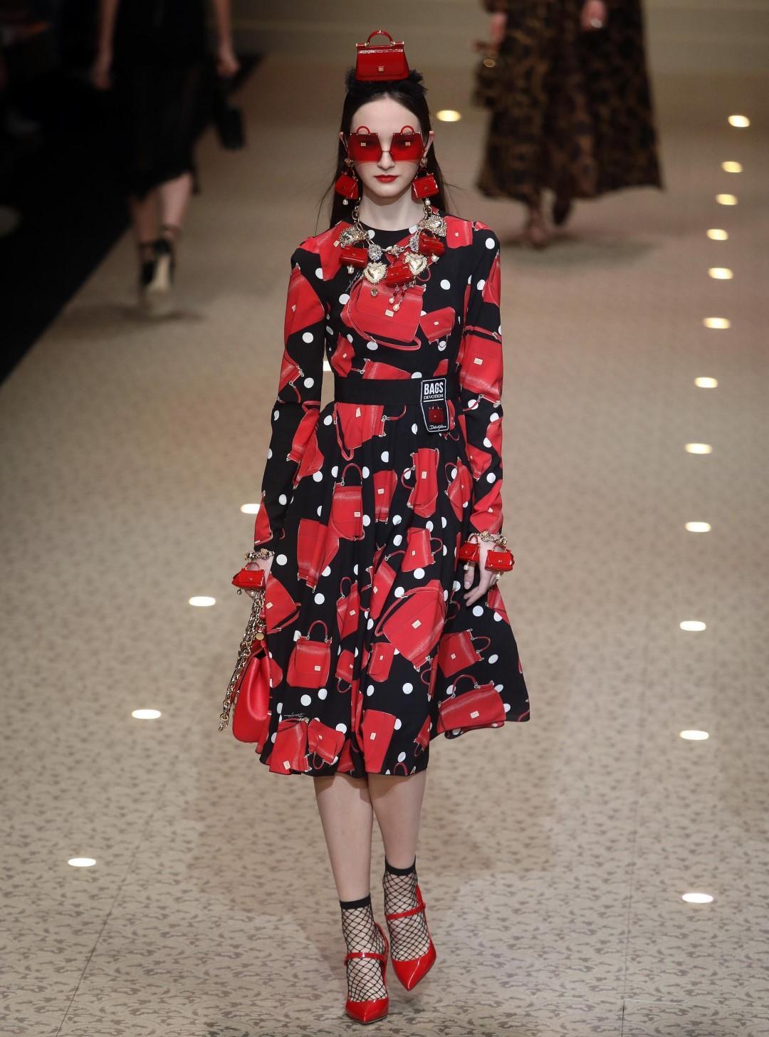 Milano Moda Donna: in passerella colori, droni e urban chic