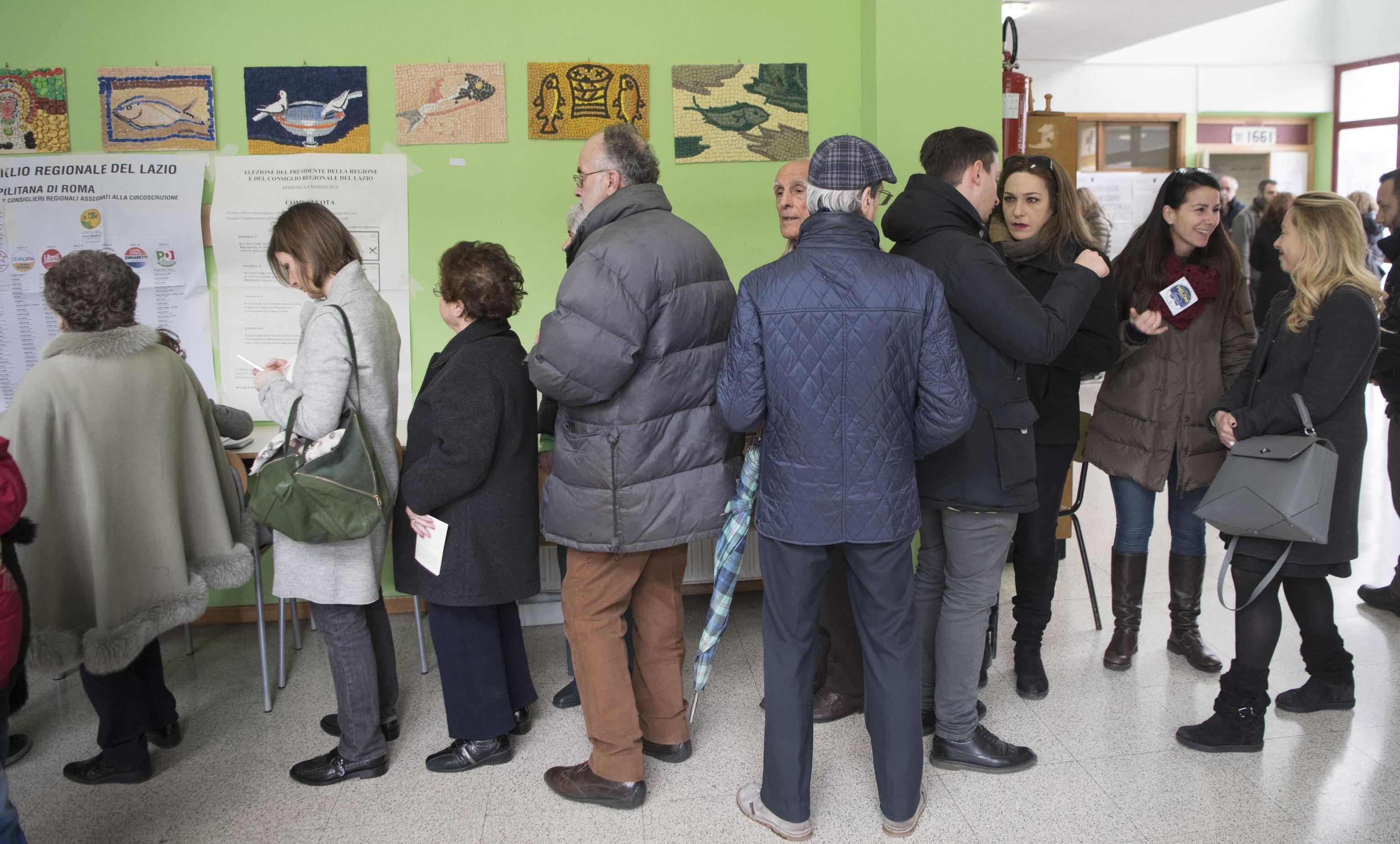 Elezioni 2018, le immagini delle code ai seggi