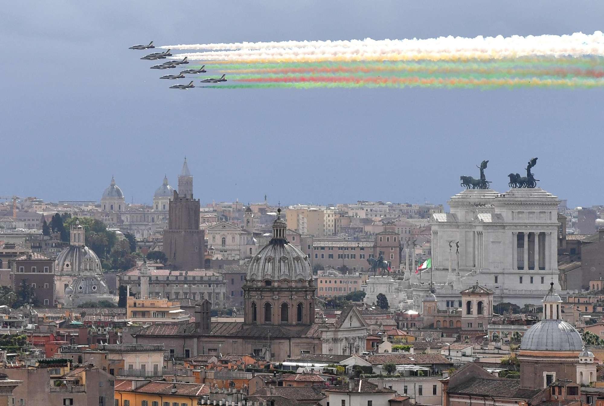 2 giugno, in cielo le Frecce Tricolori