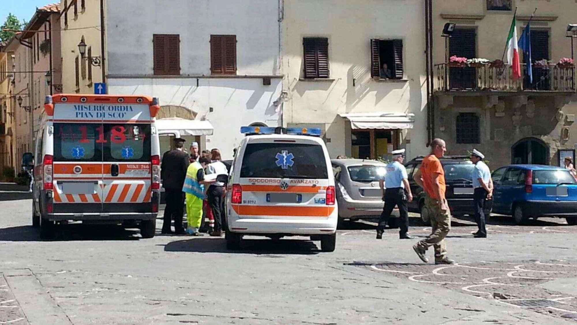 Arezzo, dimenticata in auto dalla madre: muore bimba di un anno e mezzo