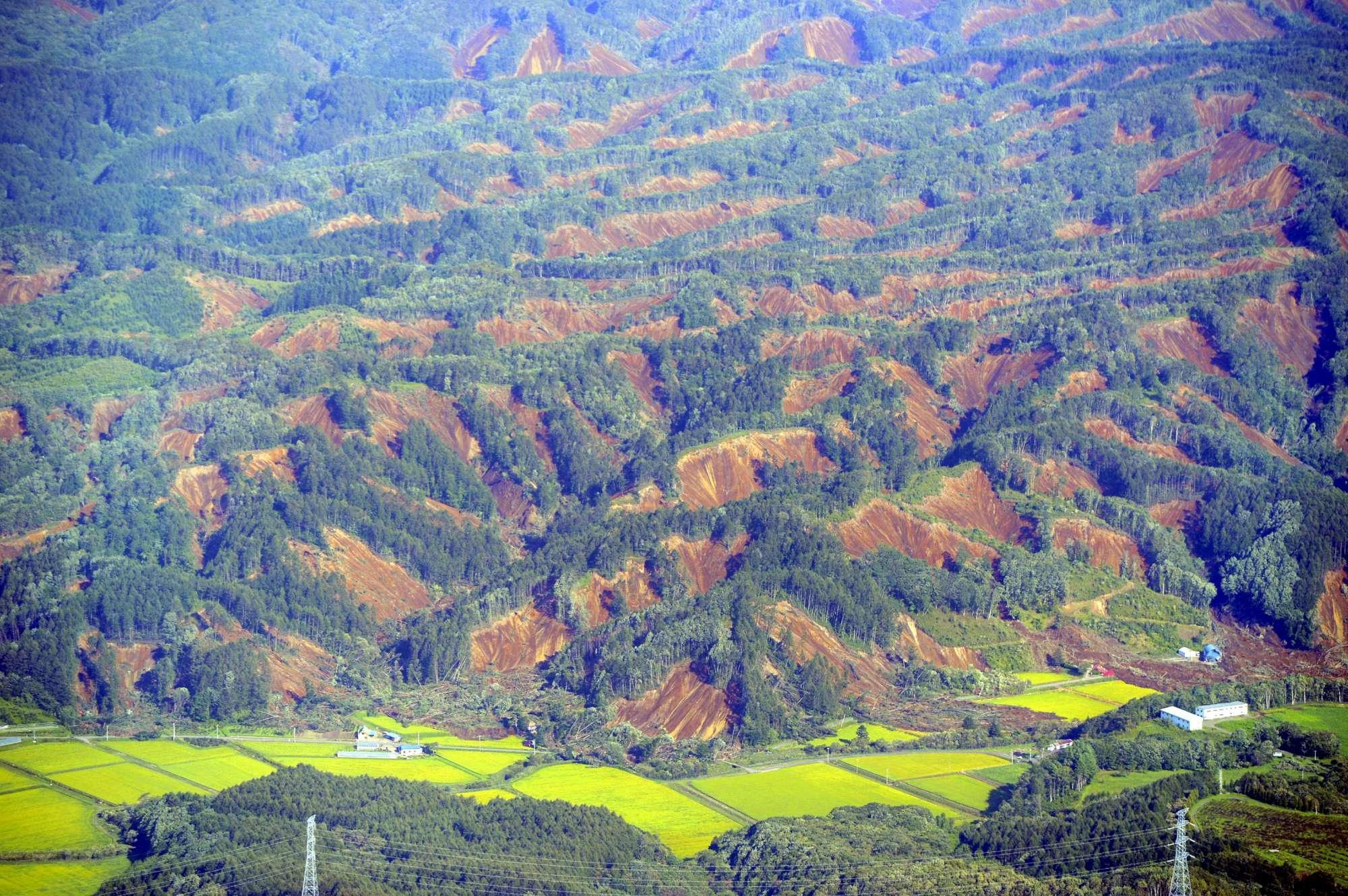 Giappone, forte scossa di terremoto a Hokkaido