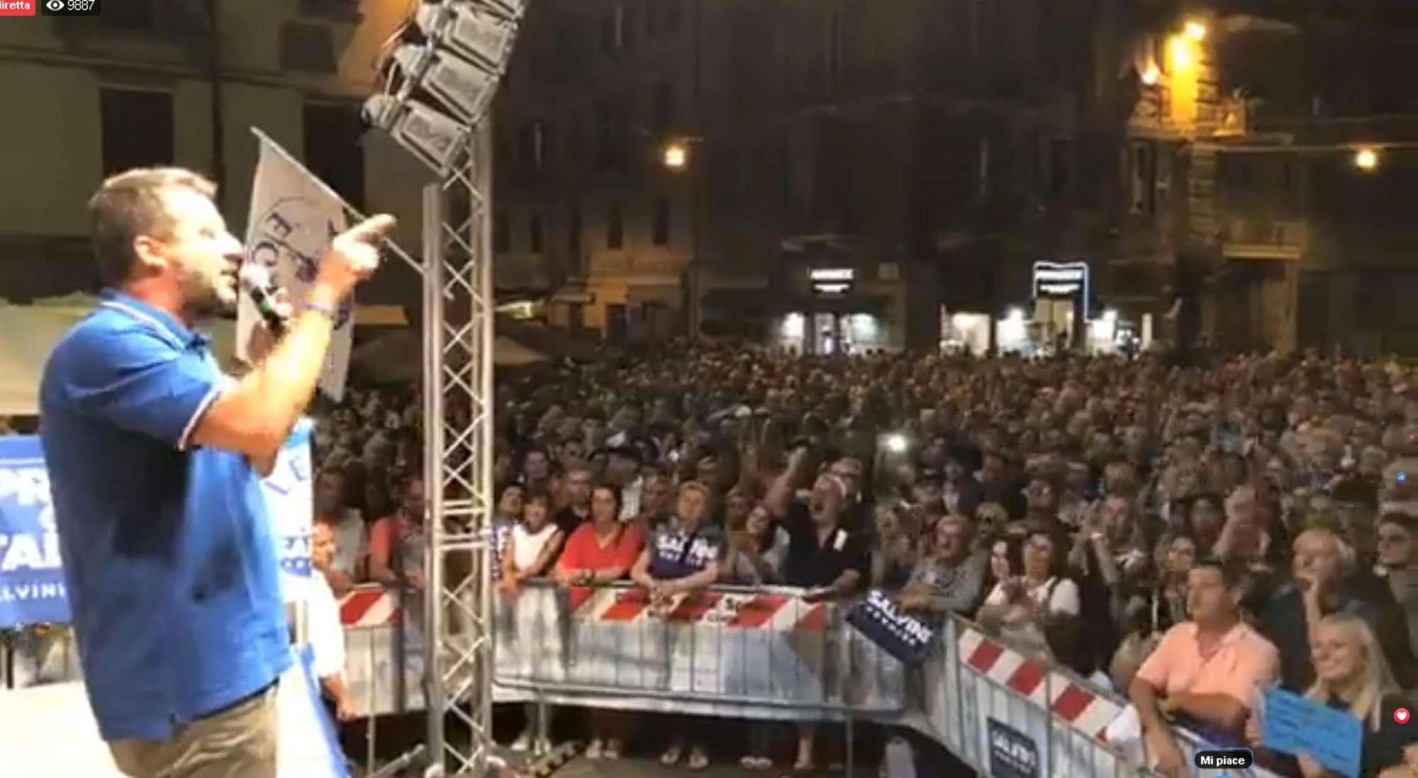 Salvini contestato a La Spezia,  siamo tutti antifascisti