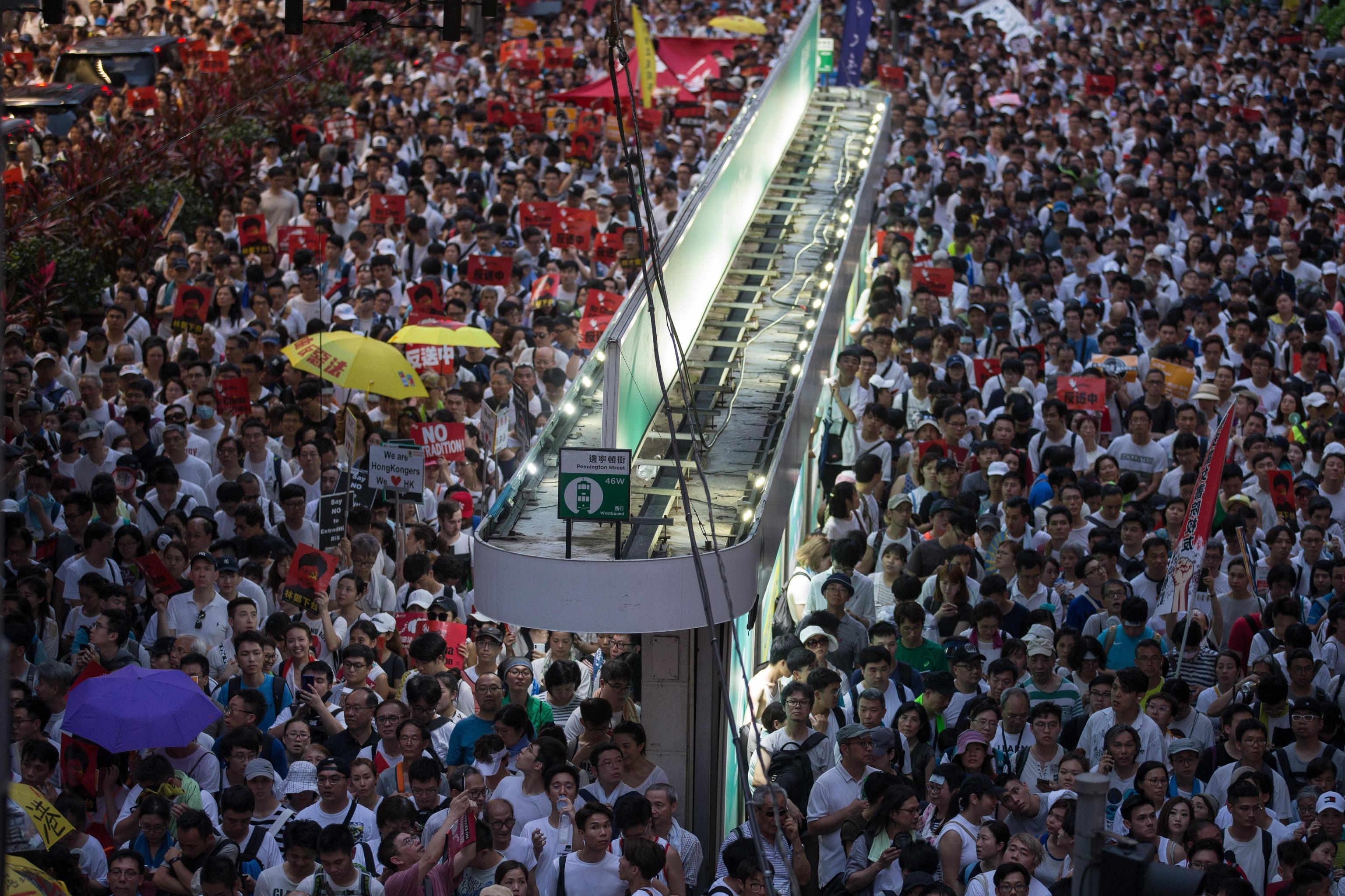 Hong Kong, un milione nelle piazze